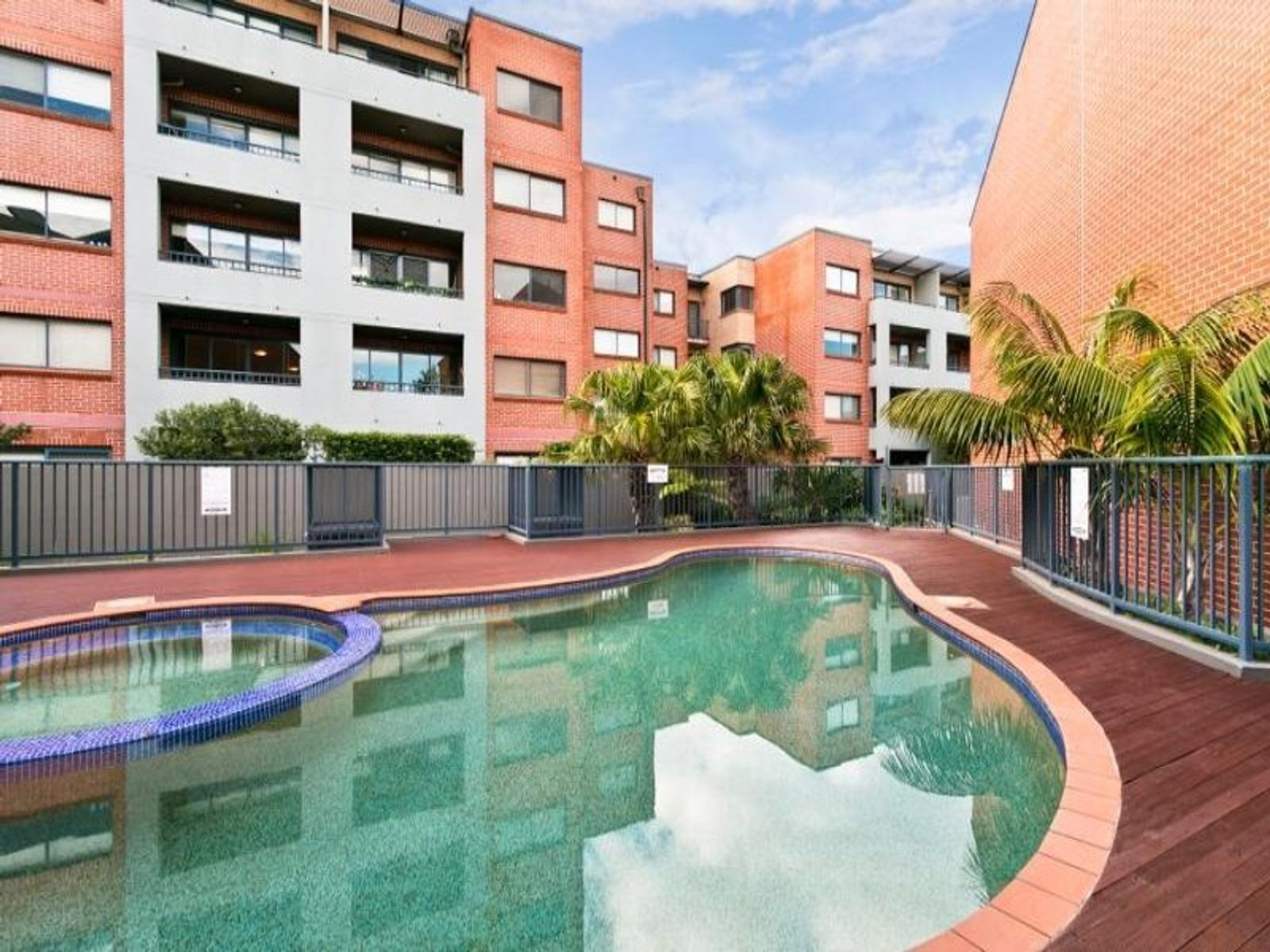 E304/21-27 Princes Highway, St Peters, NSW 2044
