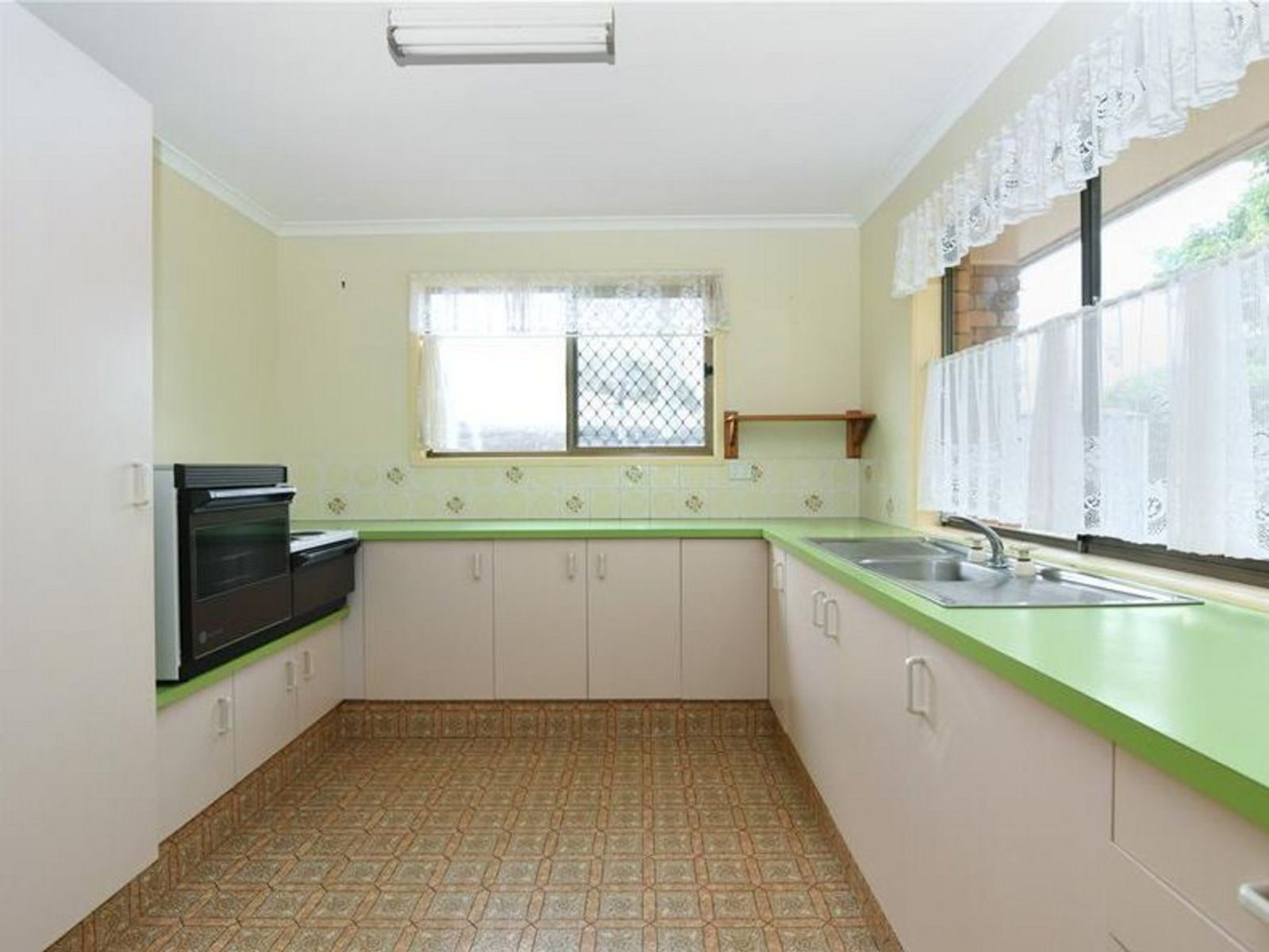 2/4 Camellia Court, Darling Heights, QLD 4350