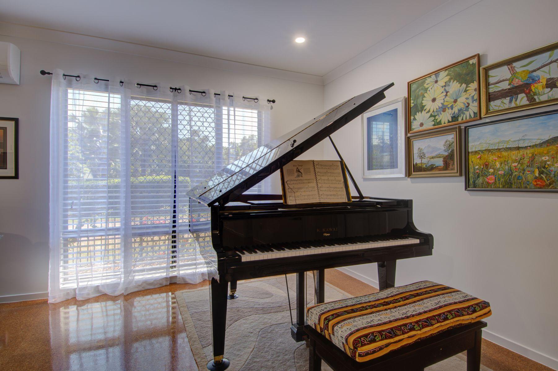 5 Rosemarie Court, Armstrong Beach, QLD 4737