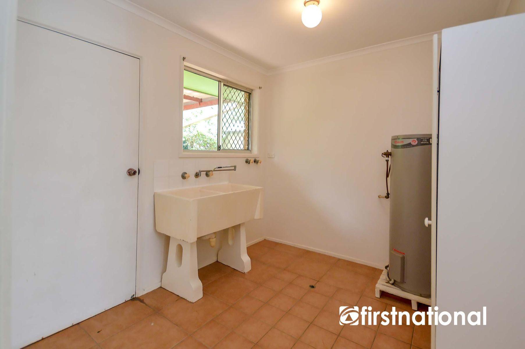 27 Jenyns Road, Tamborine Mountain, QLD 4272