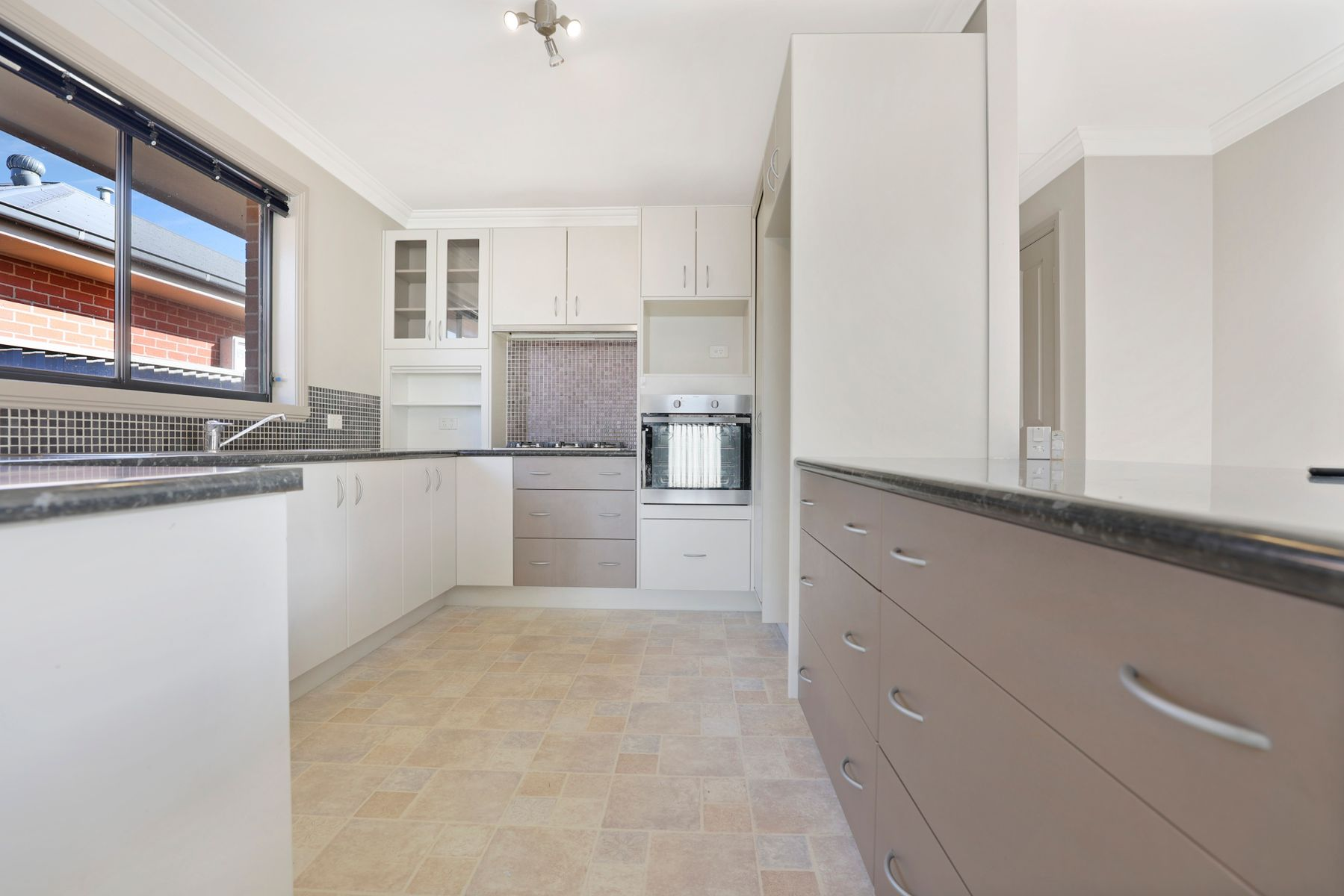 2/101 Lambert Street, Bathurst, NSW 2795