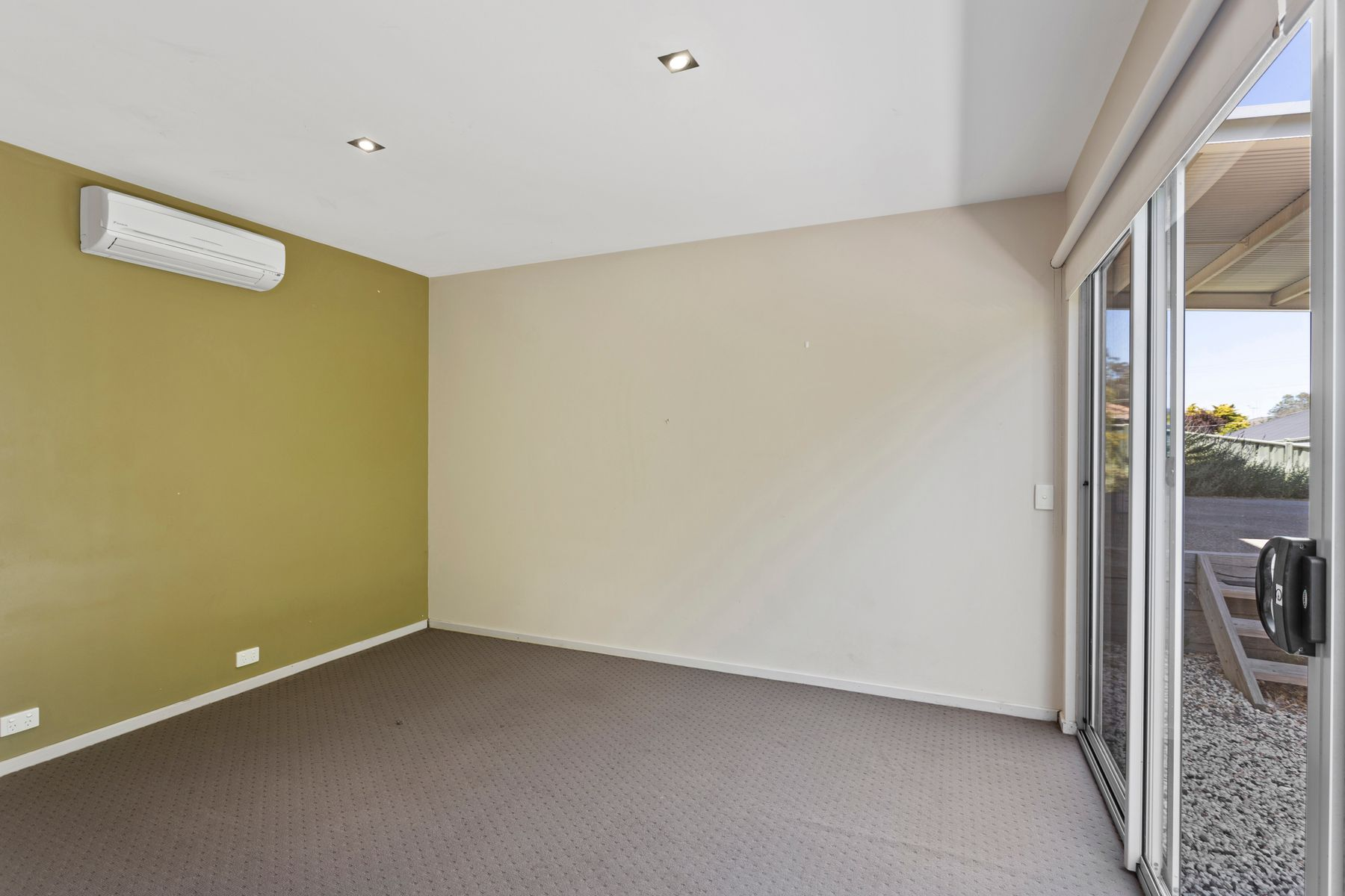 3 Luke Place, Flora Hill, VIC 3550