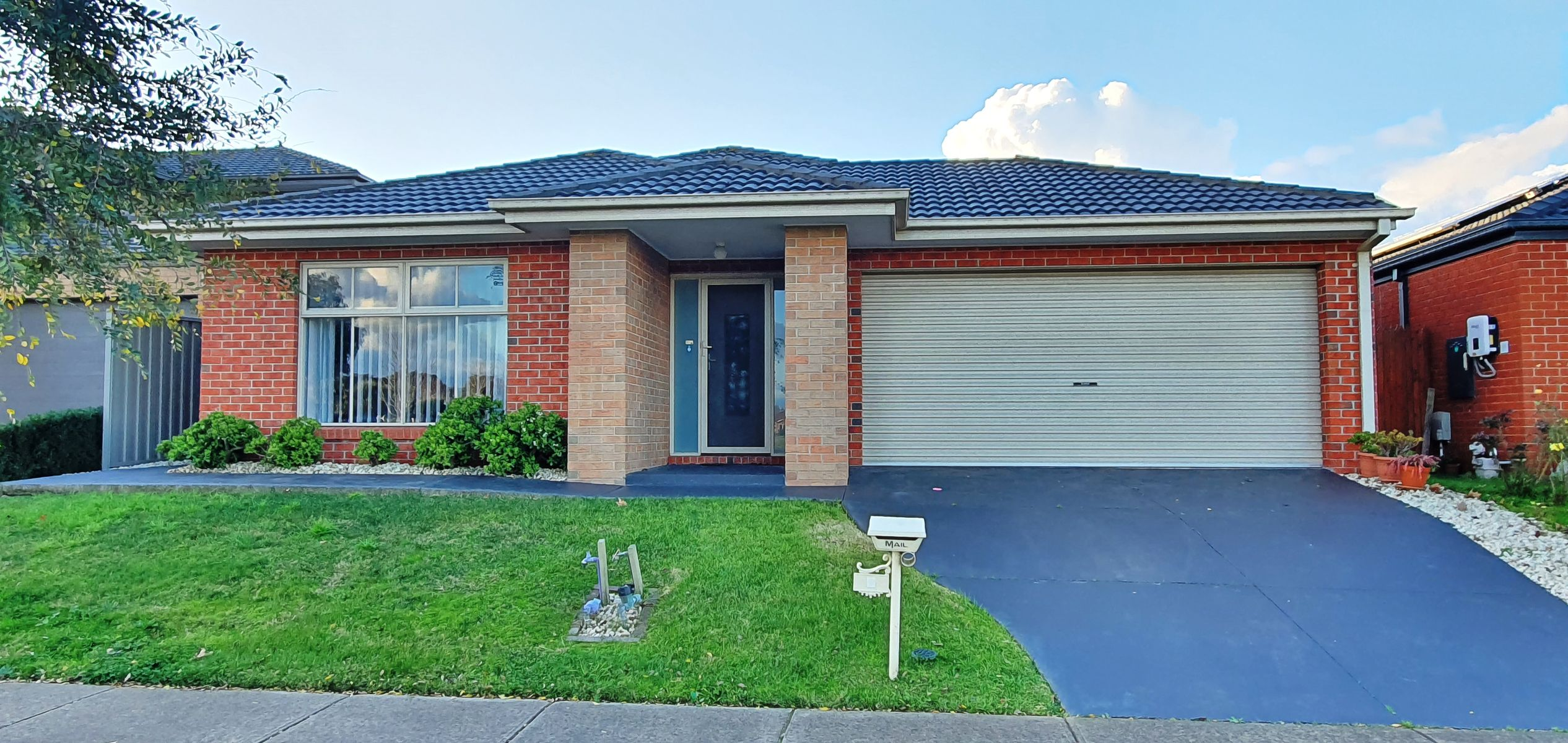 8 Bonnell Grove, Cranbourne East, VIC 3977