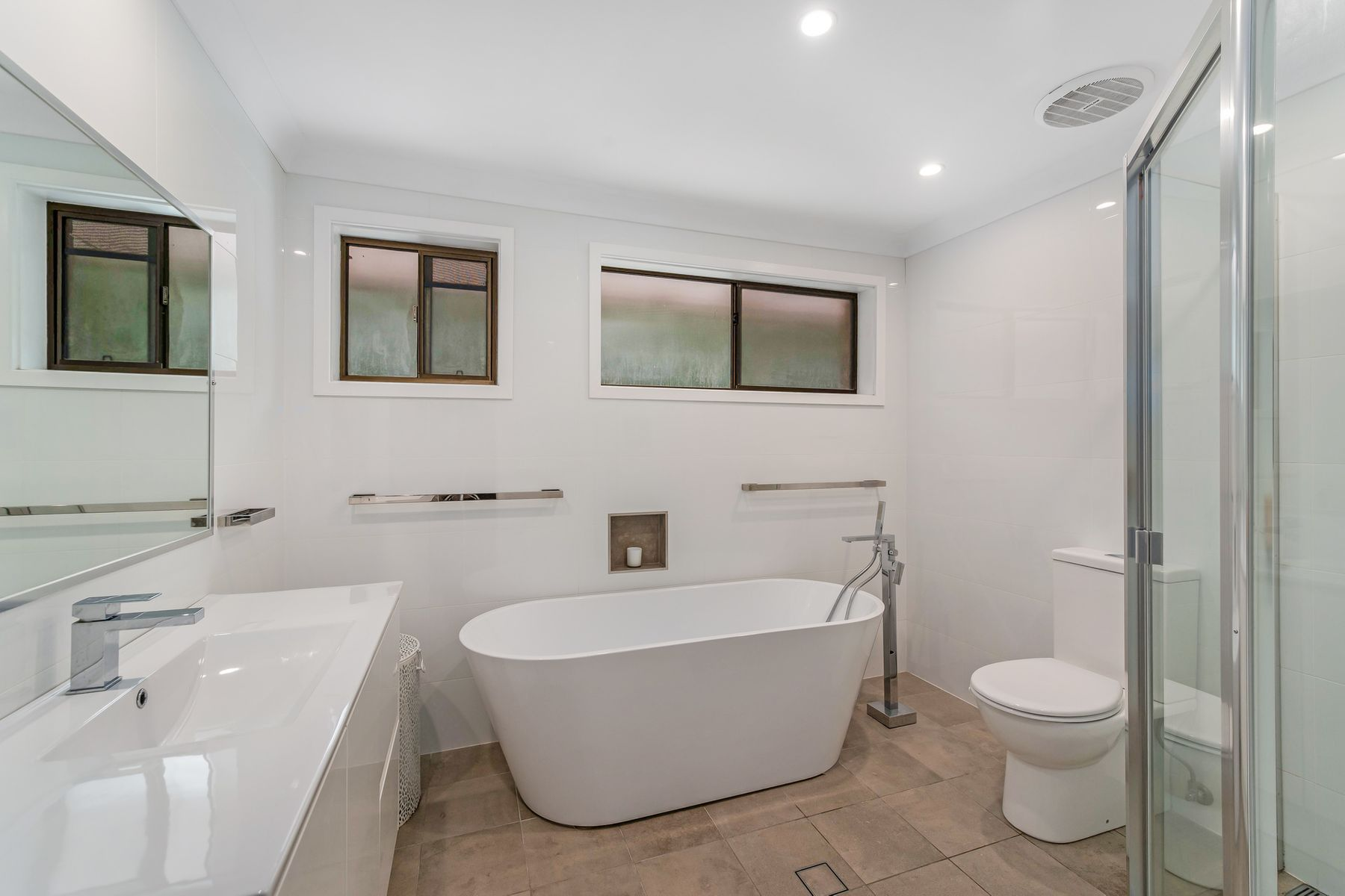 15 Clare Street, Glendale, NSW 2285