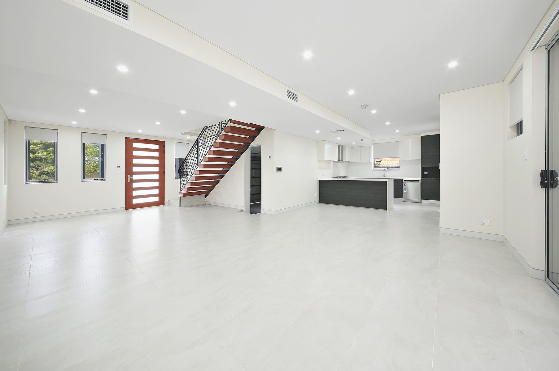 2 Karen Avenue, Picnic Point, NSW 2213
