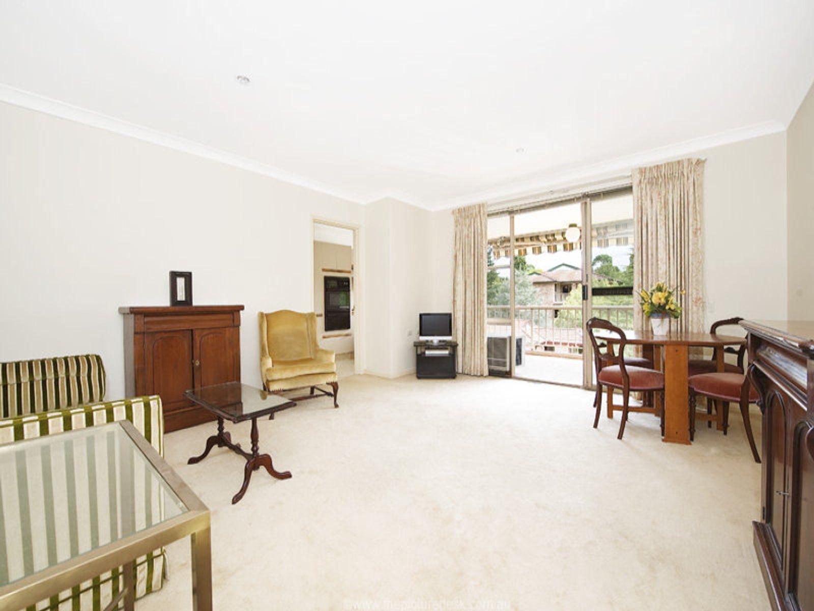 60/2-8 Kitchener Street, St Ives, NSW 2075