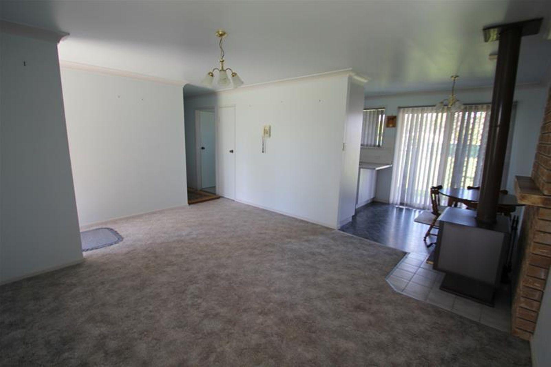 16 Duke Street, Jennings, NSW 4383