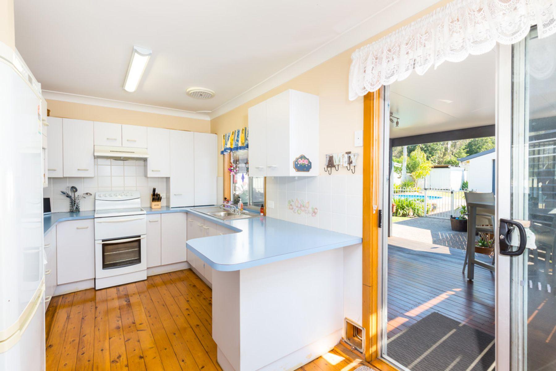 8 Lake Street, Fassifern, NSW 2283