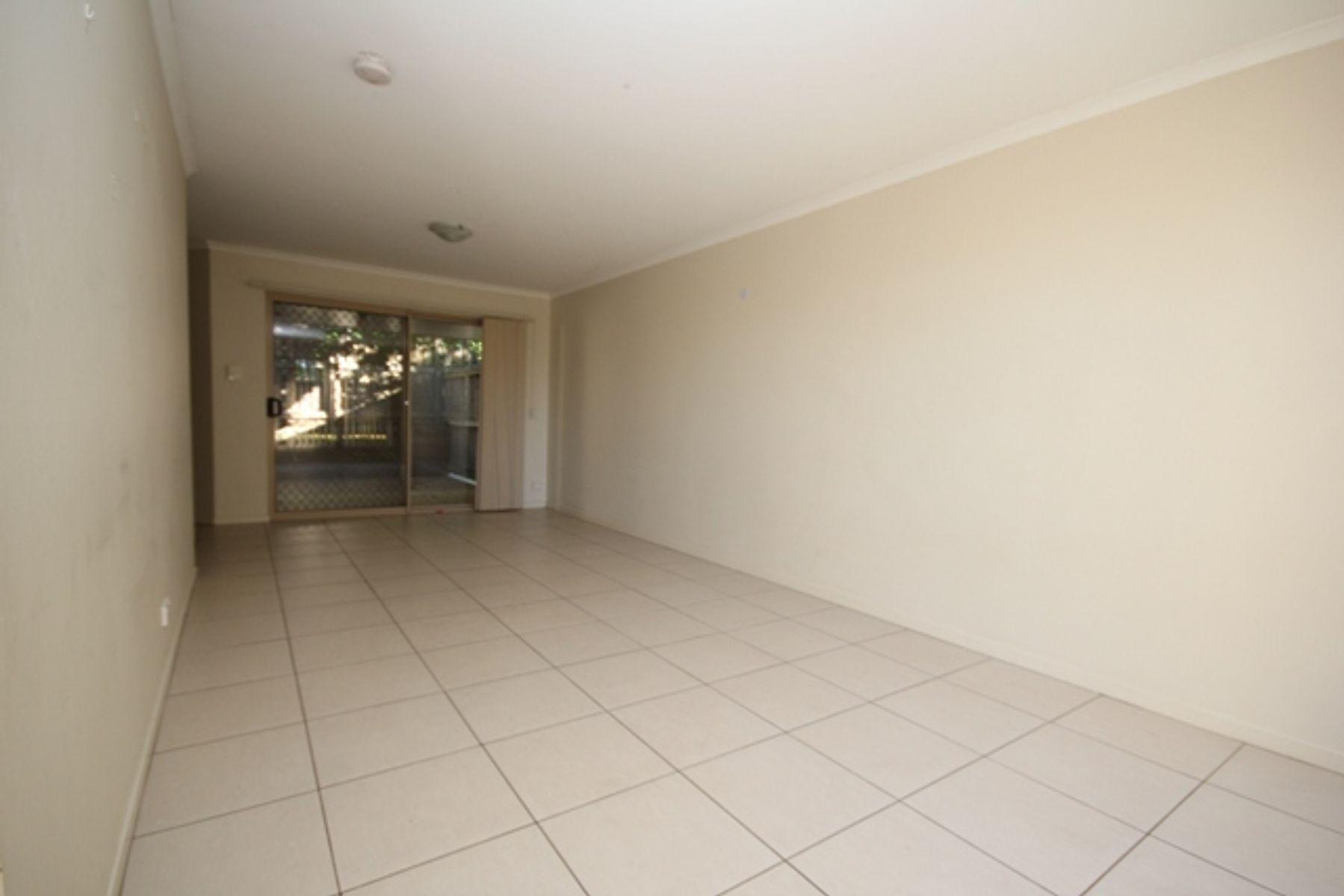 6/25 Law Street, Redbank, QLD 4301