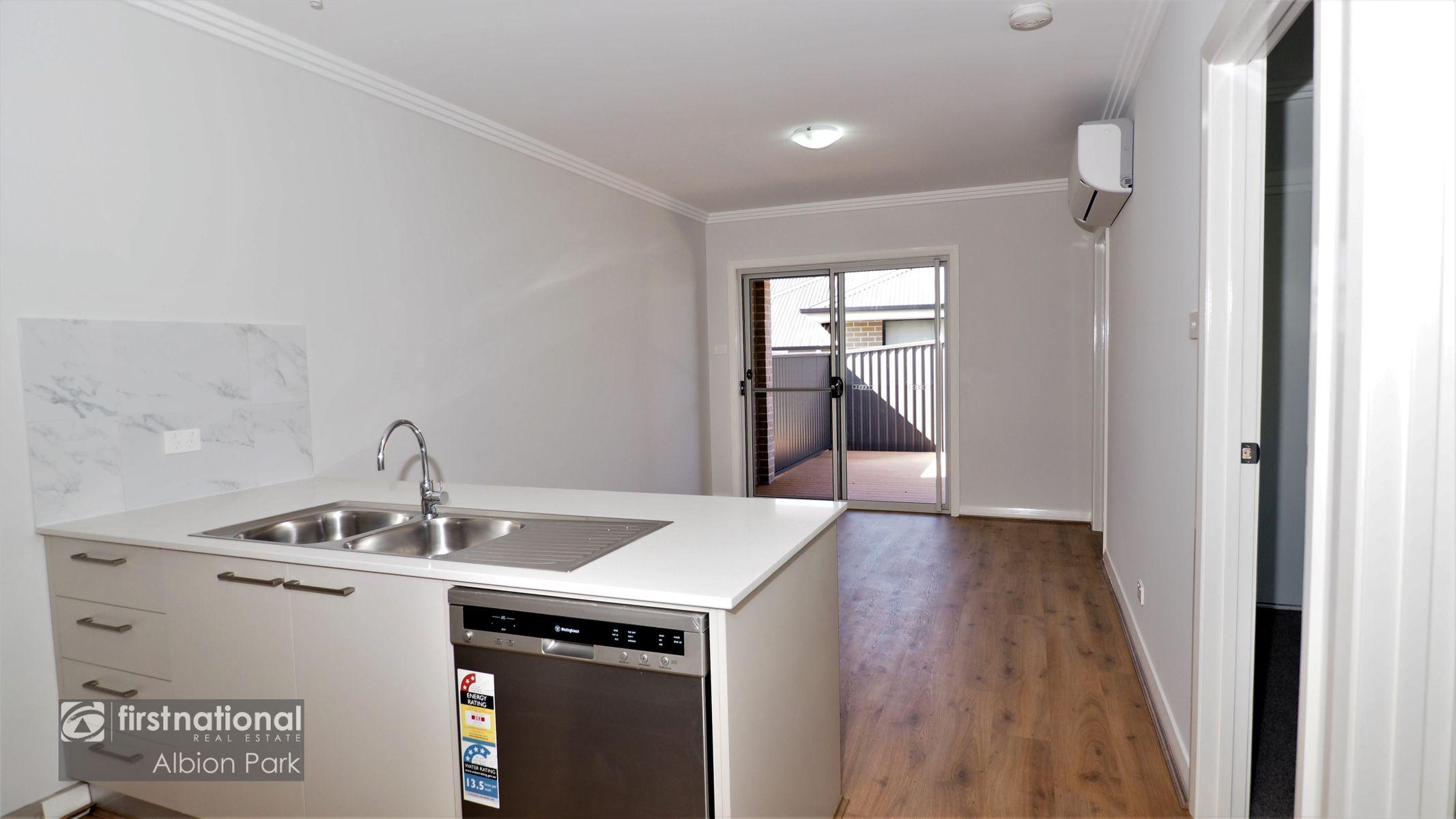1 Dairyman Place, Calderwood, NSW 2527