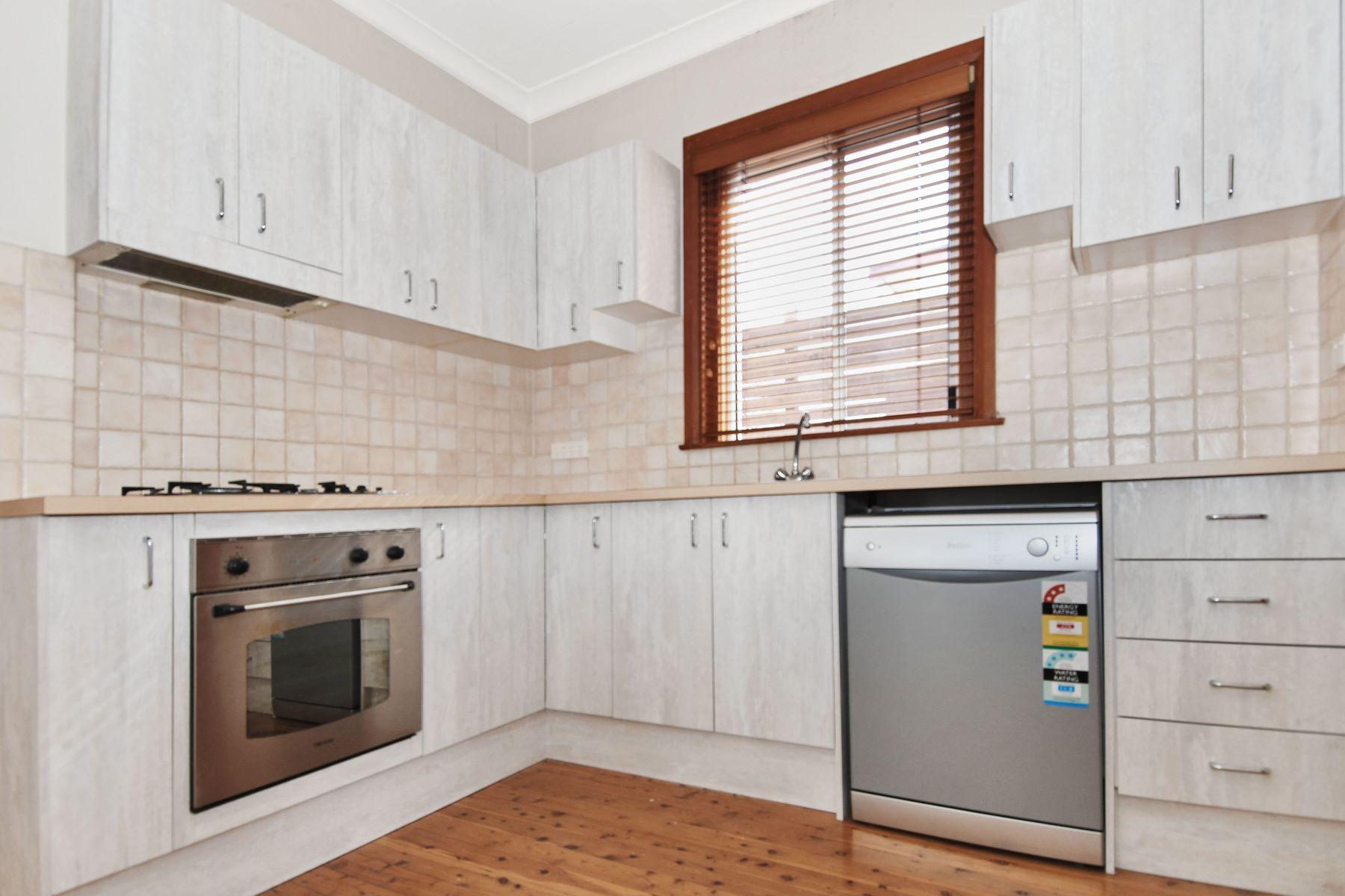 237 Peel Street, West Bathurst, NSW 2795