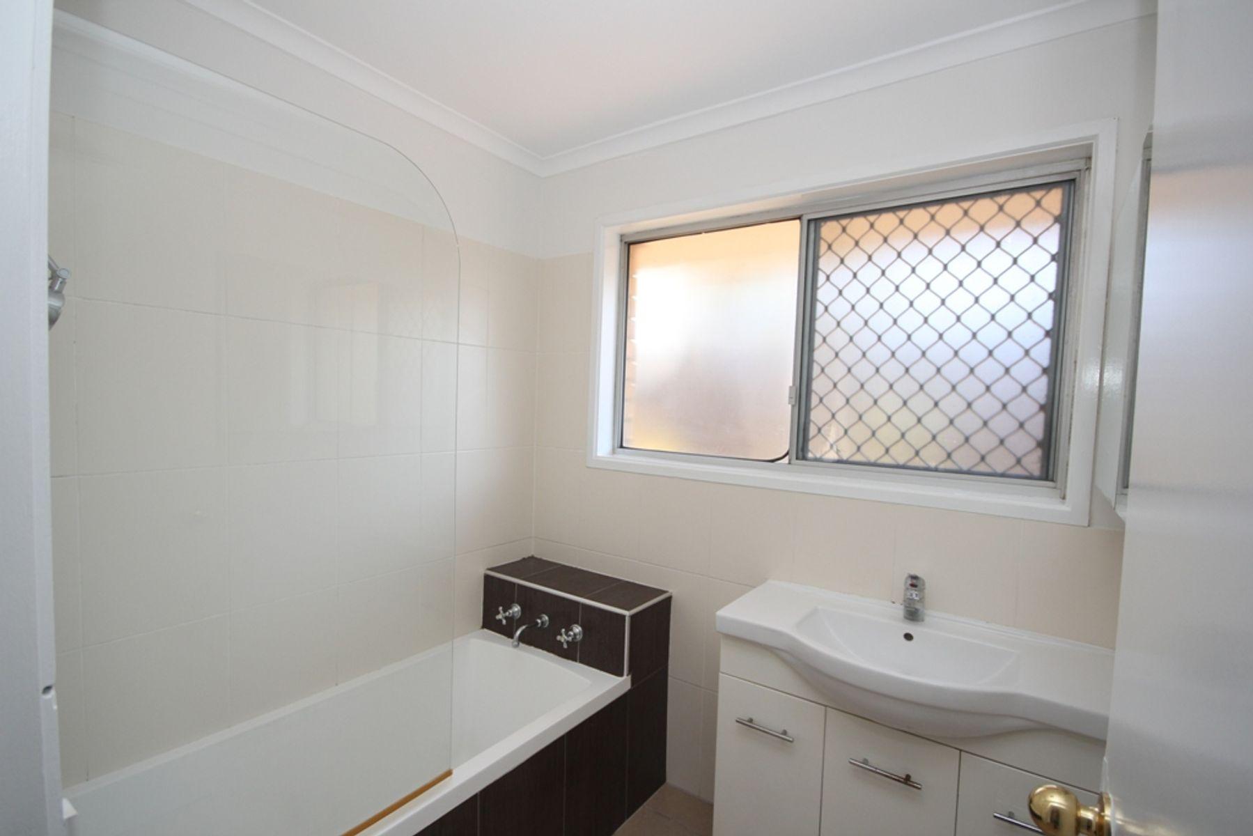 10 Dobell Avenue, Collingwood Park, QLD 4301