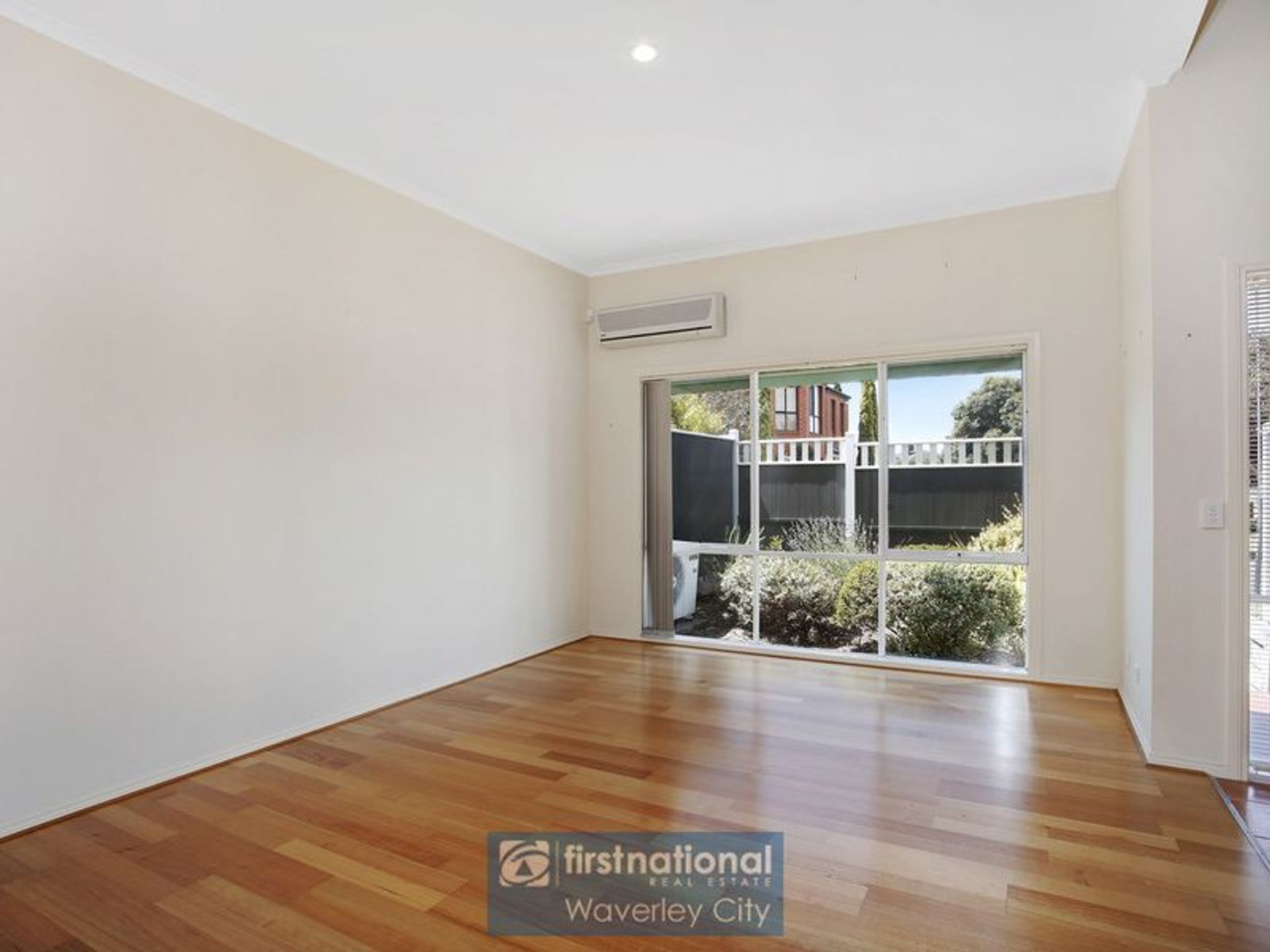 5 18 Tulloch Grove Glen Waverley Vic 3150 Australia Townhouse For Sale Fn First National Real Estate Waverley City