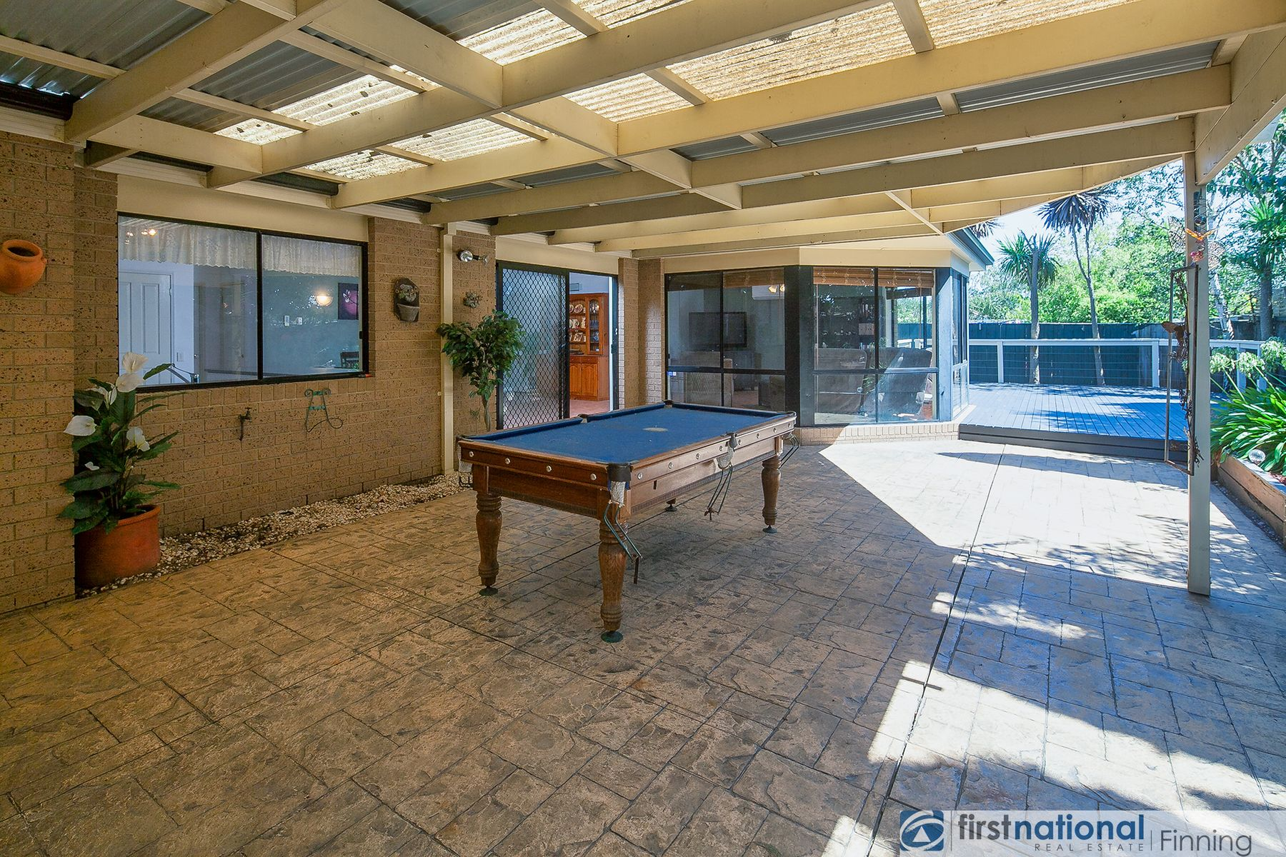 27 Sherwood Road, Narre Warren South, VIC 3805