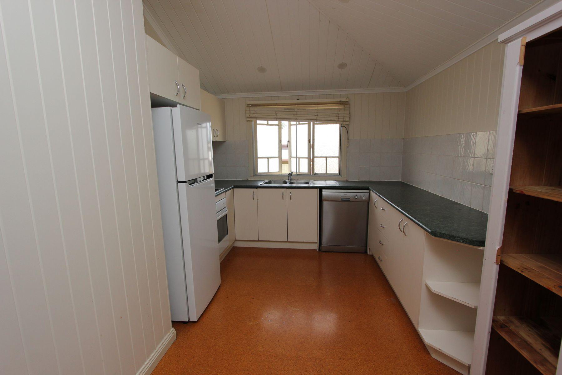 64 LynneGrove Avenue, Corinda, QLD 4075