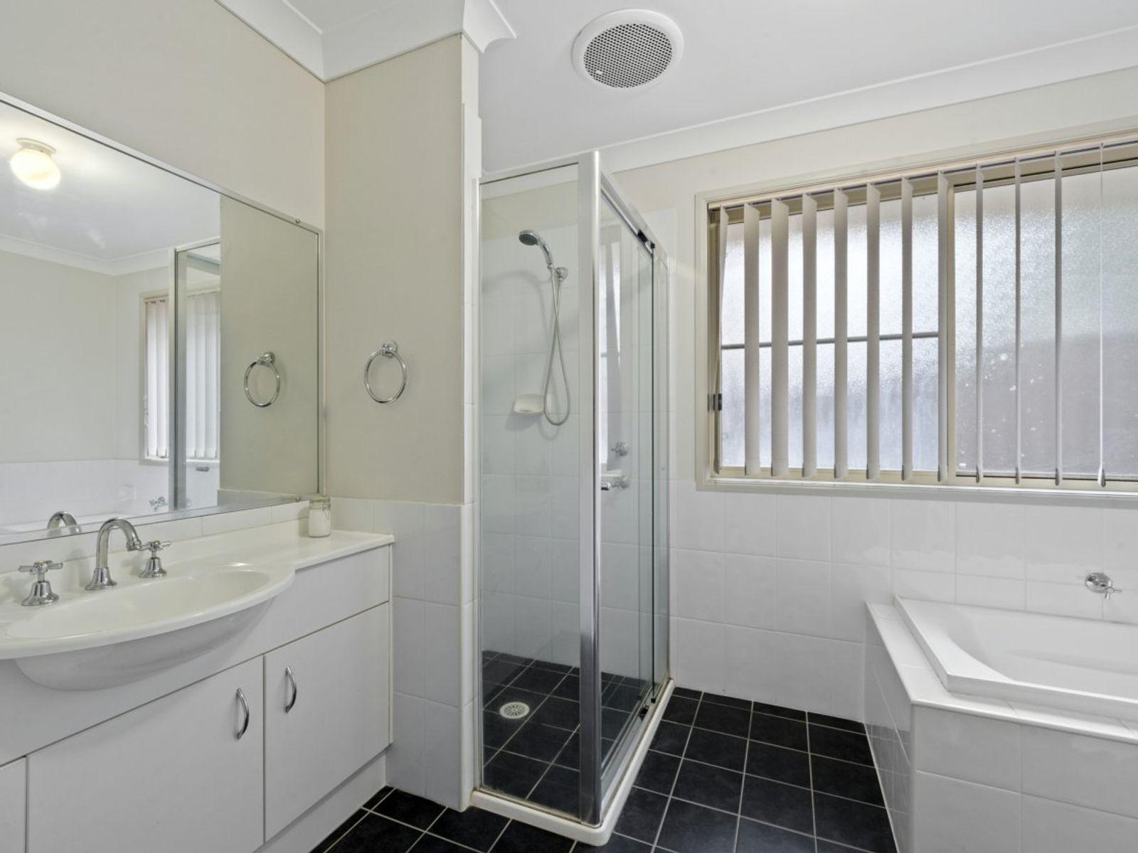 15 Windward Crescent, Gwandalan, NSW 2259