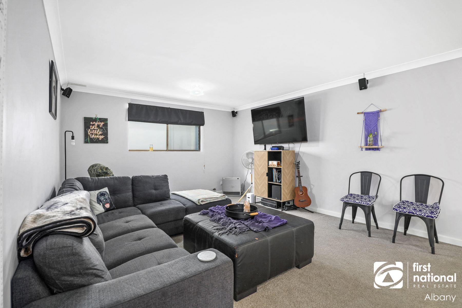 22 Katoomba Street, Orana, WA 6330