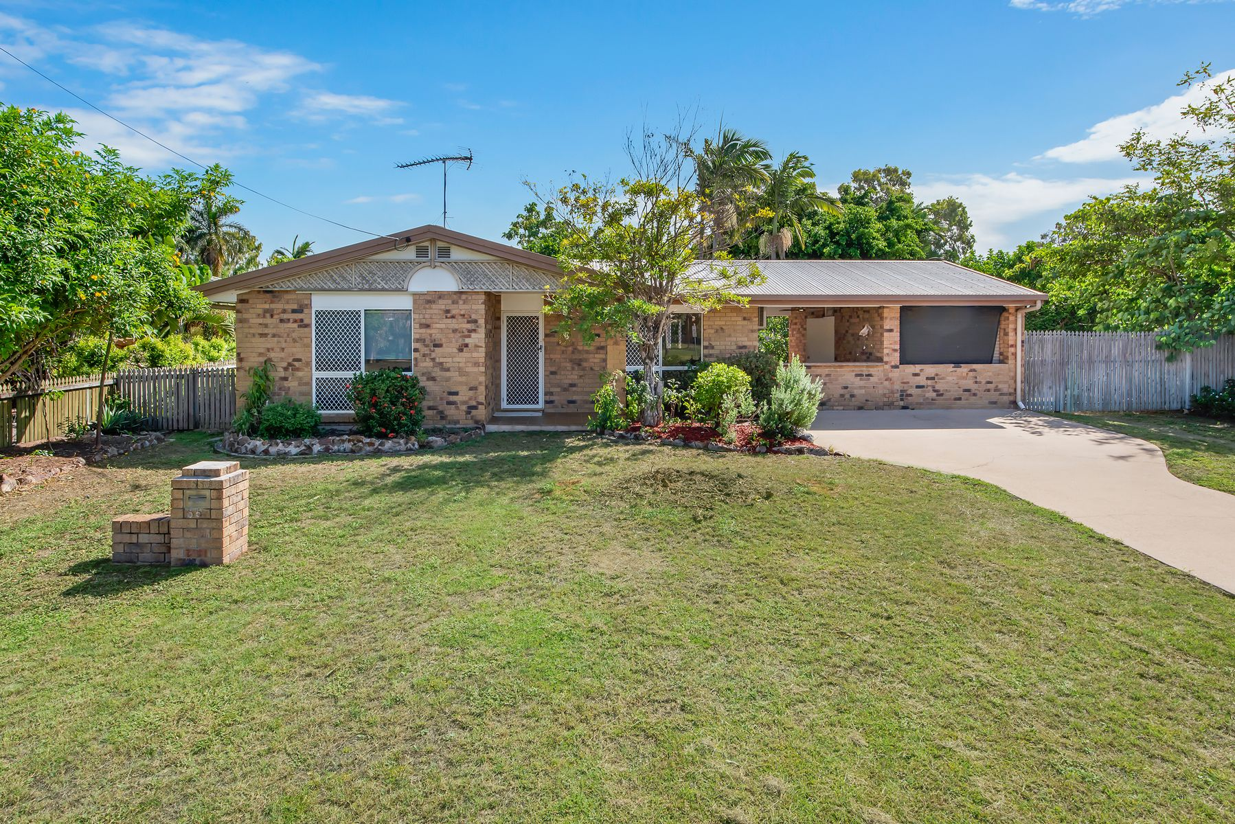 65 Coutts Drive, Bushland Beach, QLD 4818