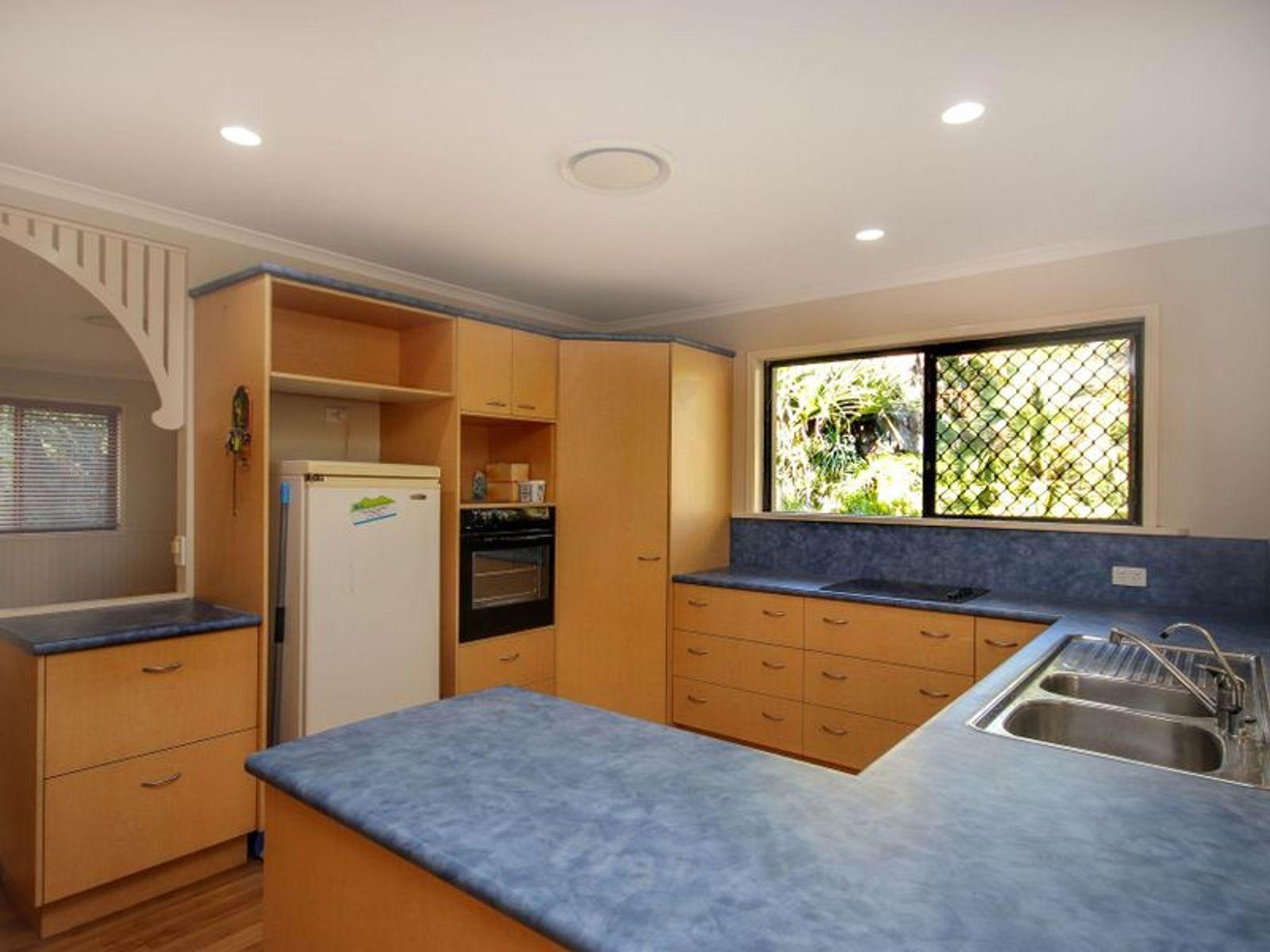 80 Mountain Vista Drive, Glass House Mountains, QLD 4518