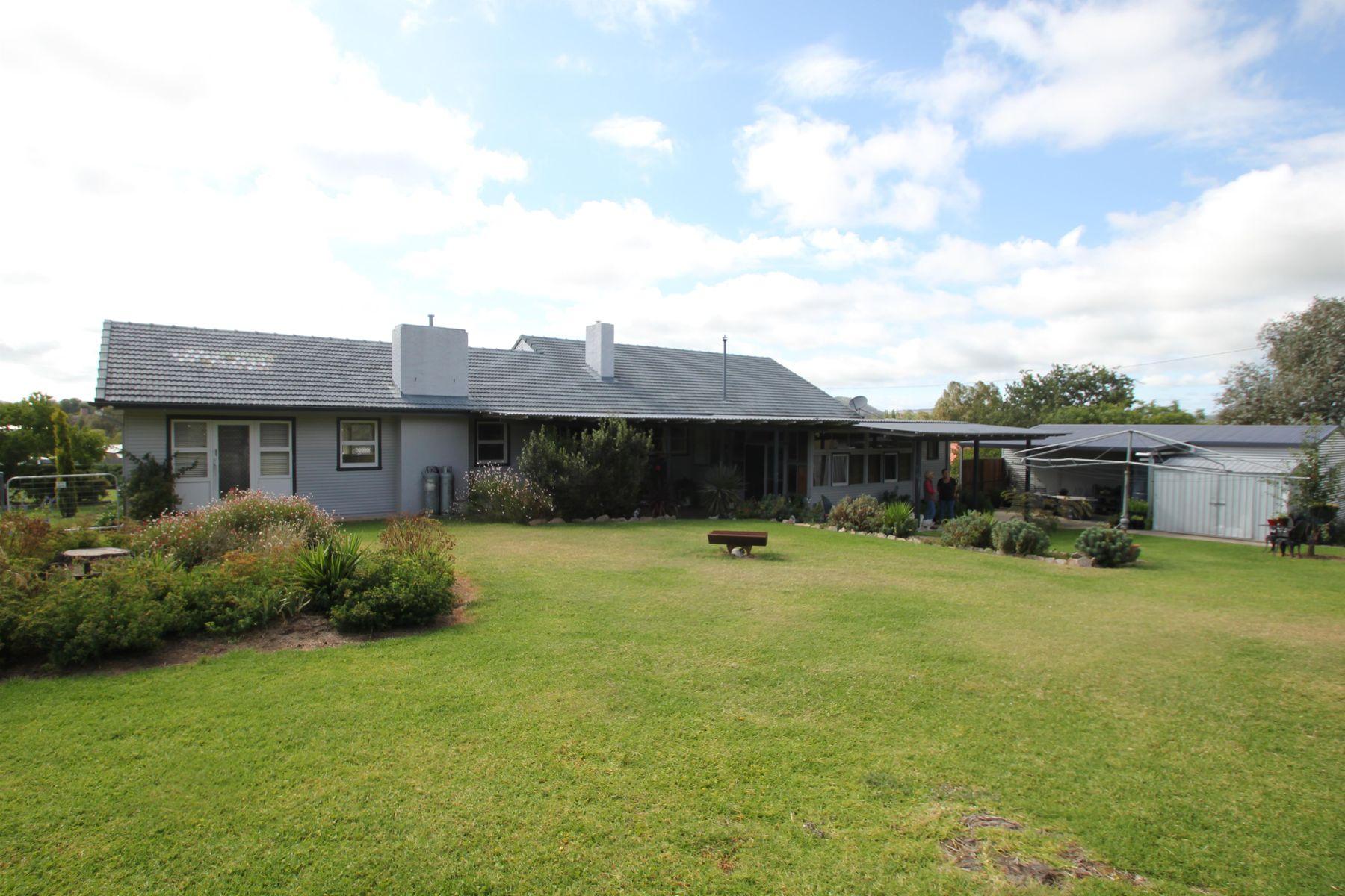 56 Duncan Street, Tenterfield, NSW 2372