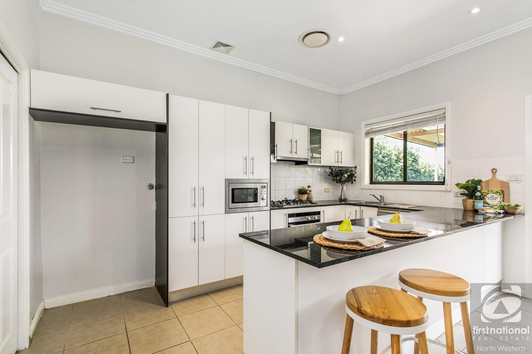 4 Skipton Way, Stanhope Gardens, NSW 2768