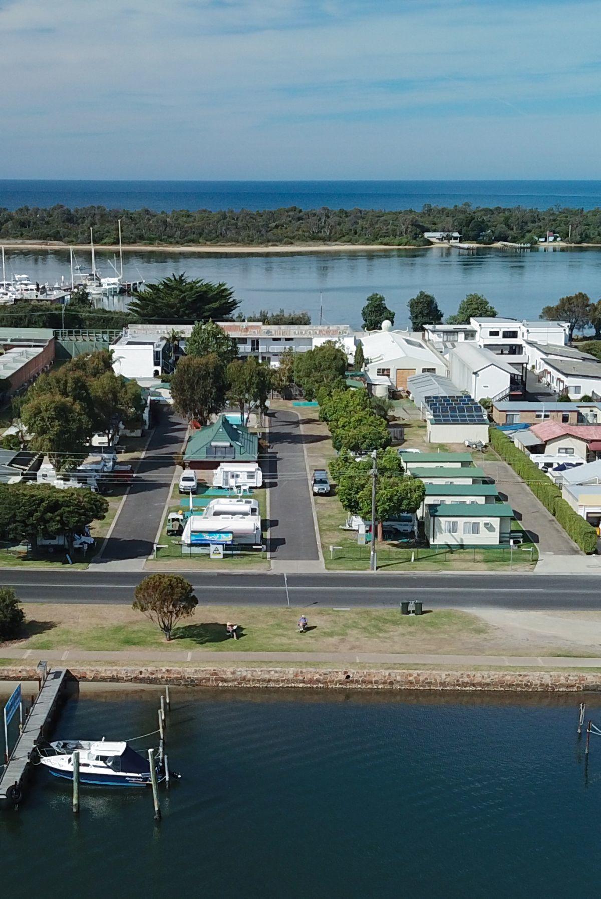76 Marine Parade, Lakes Entrance, VIC 3909