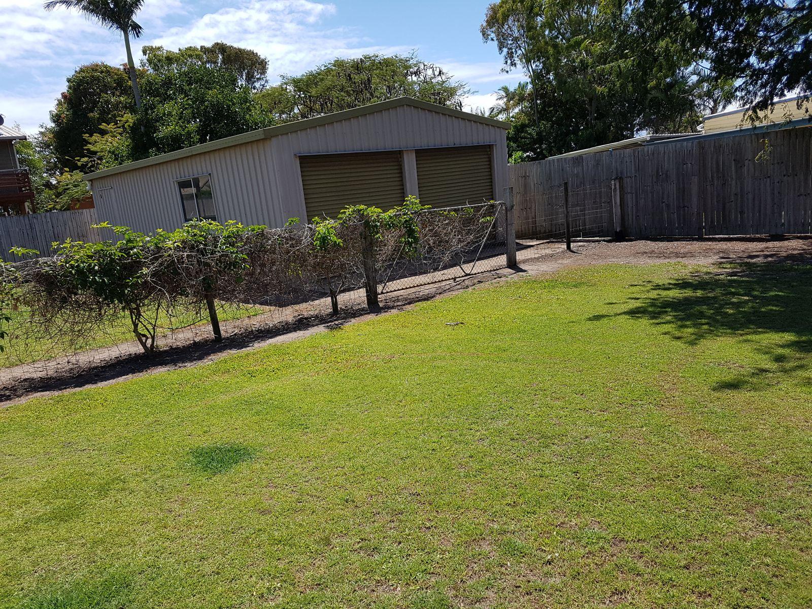 13 McIntosh Avenue, Elliott Heads, QLD 4670