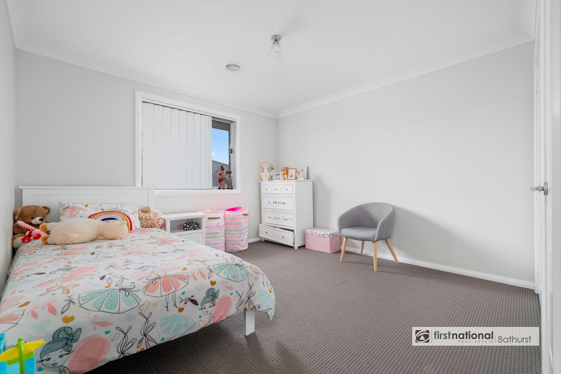 4 Gibsone Drive, Kelso, NSW 2795