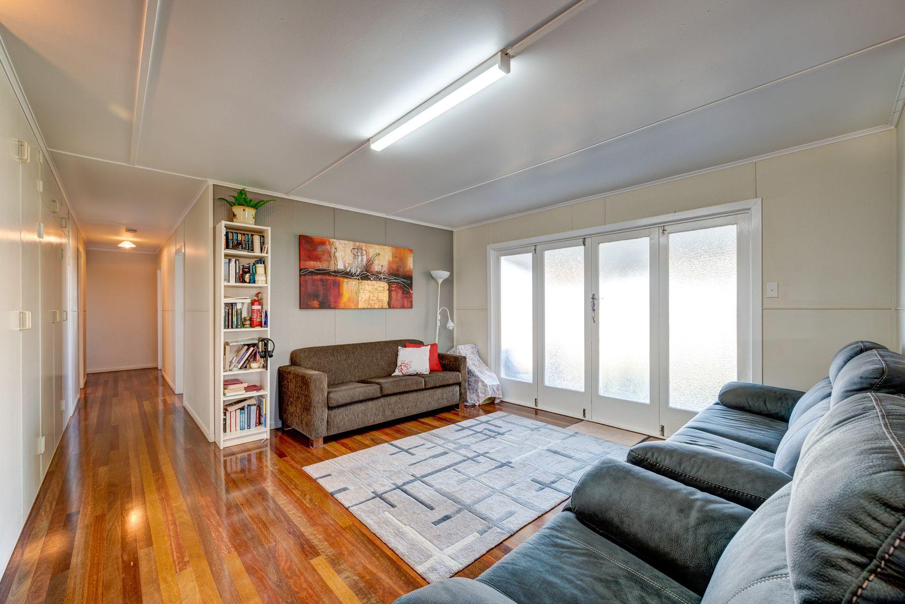 63 Loeskow Street, Gooburrum, QLD 4670