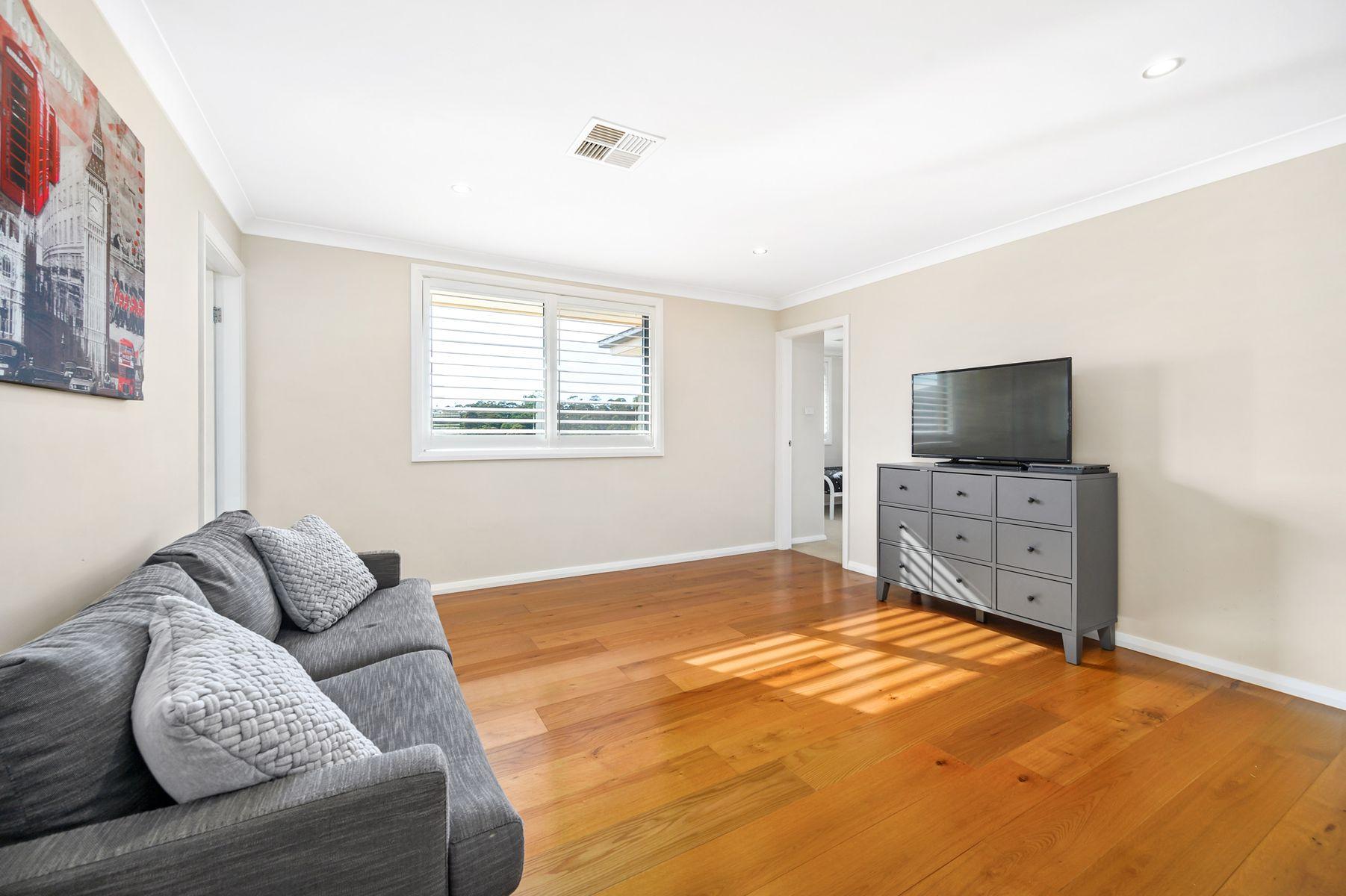 8 Fitzwilliam Circuit, Macquarie Hills, NSW 2285