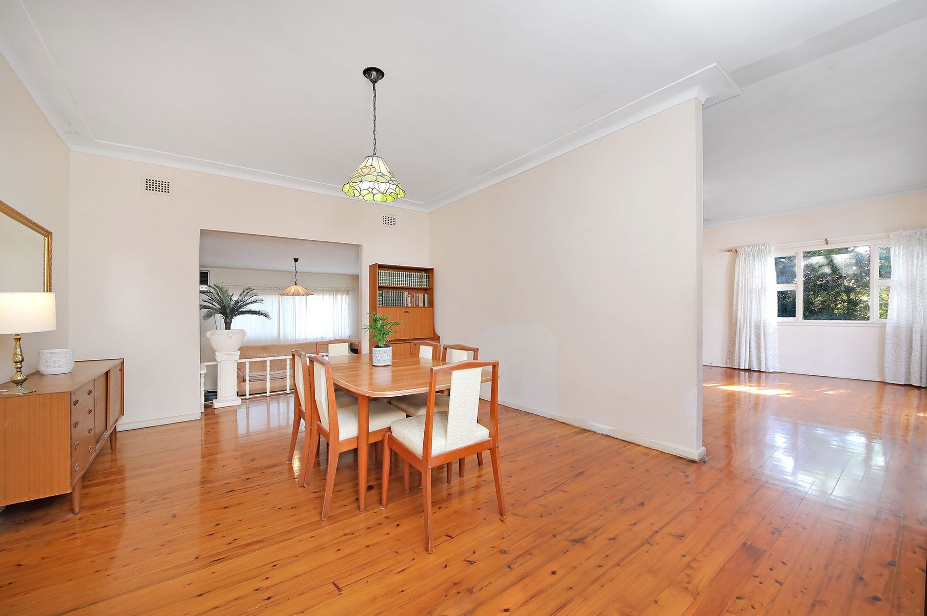 6 Uki Avenue, Picnic Point, NSW 2213