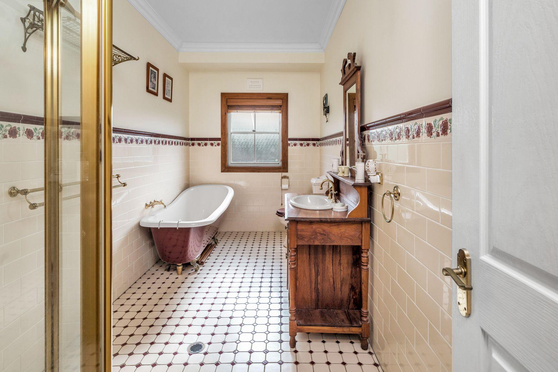 12 Matelot Place, Belmont, NSW 2280