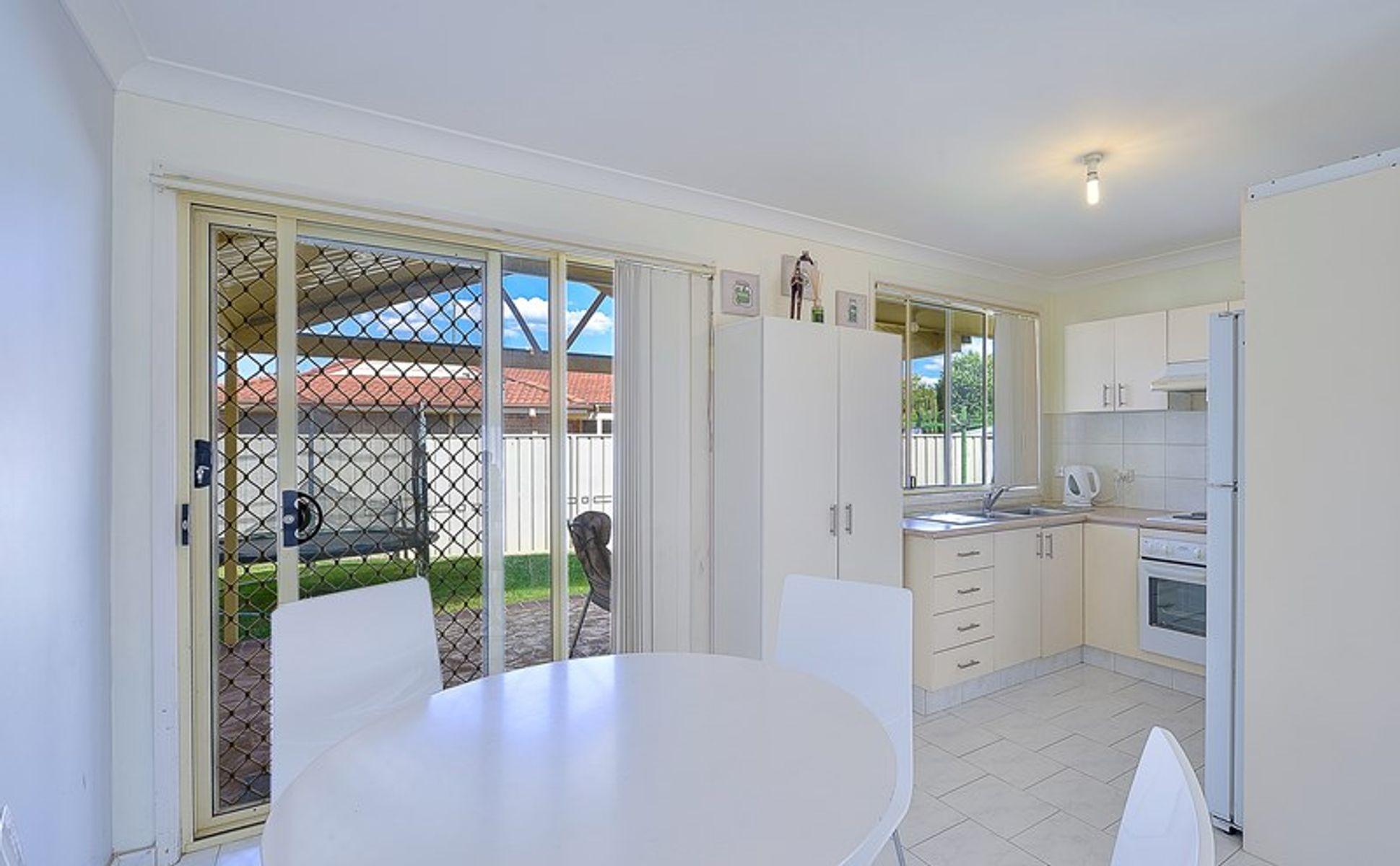 13 Fortinbras Close, Rosemeadow, NSW 2560