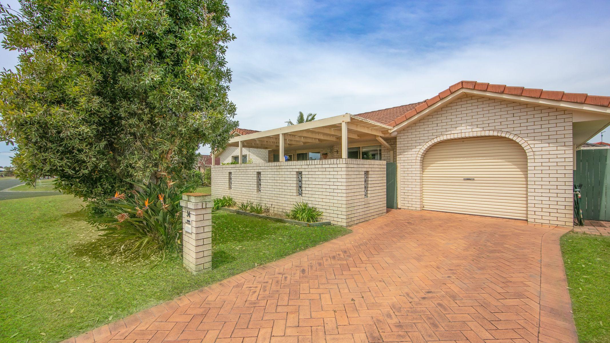 34 Osprey Drive, Yamba, NSW 2464