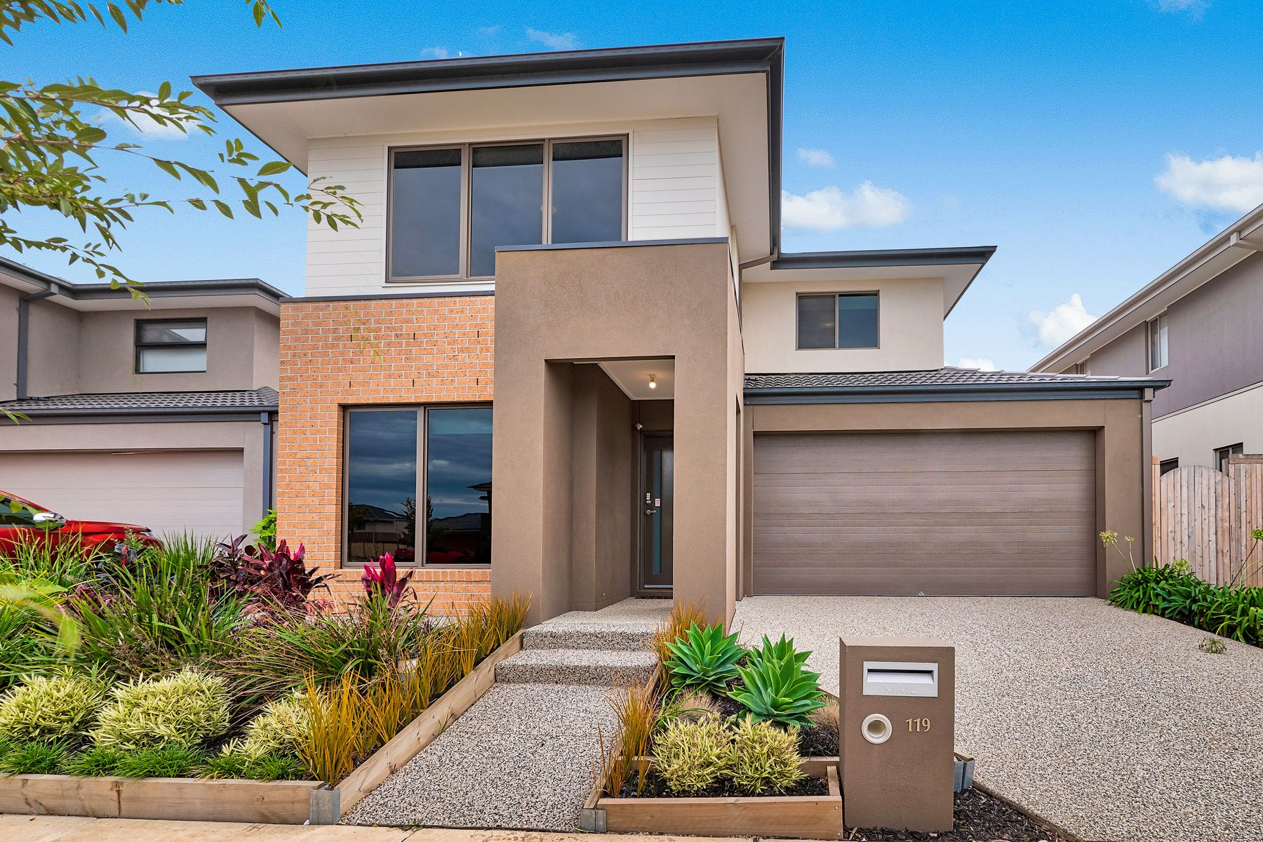 119 Thoroughbred Drive, Clyde North, VIC 3978