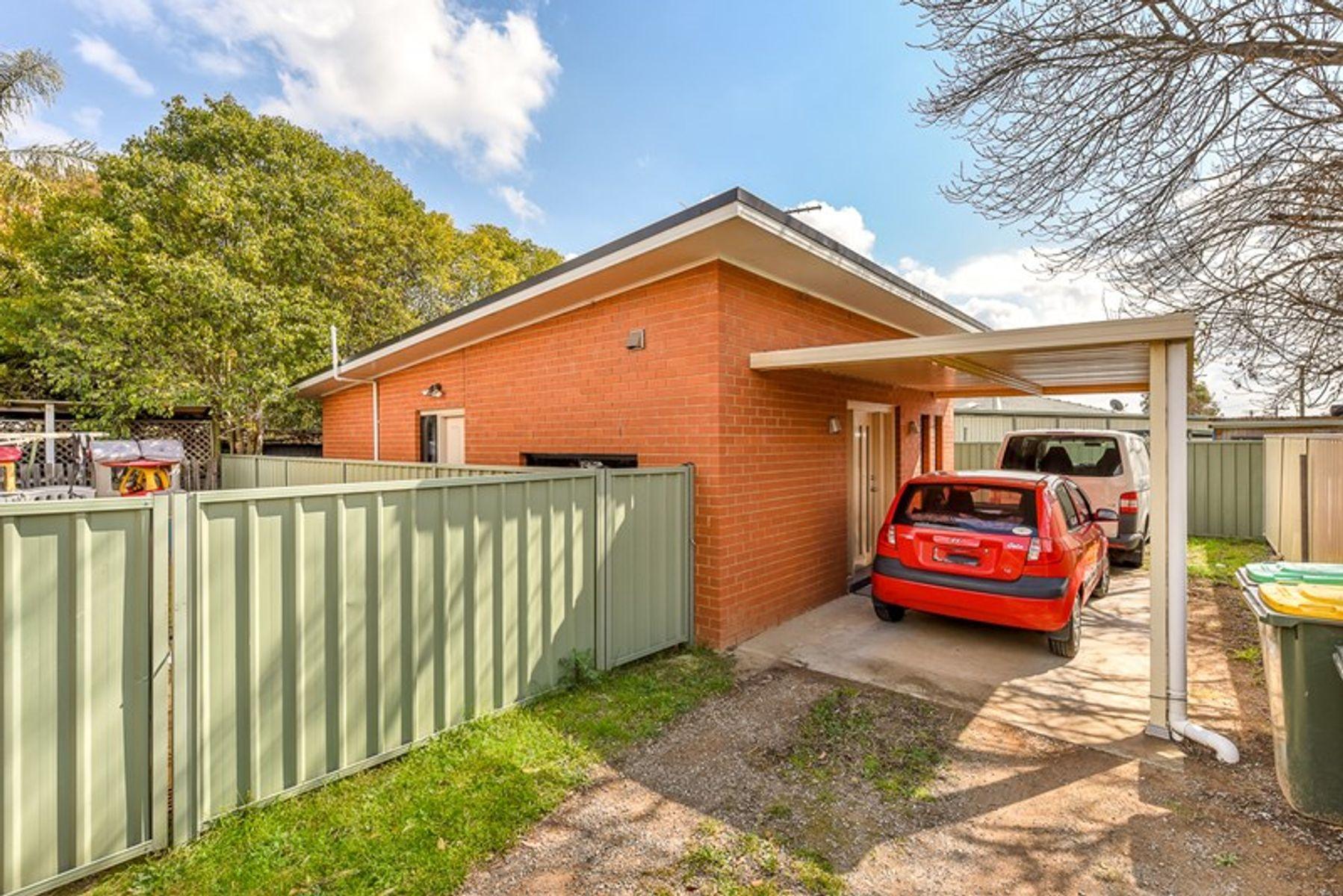 79B Carrington Cir, Leumeah, NSW 2560