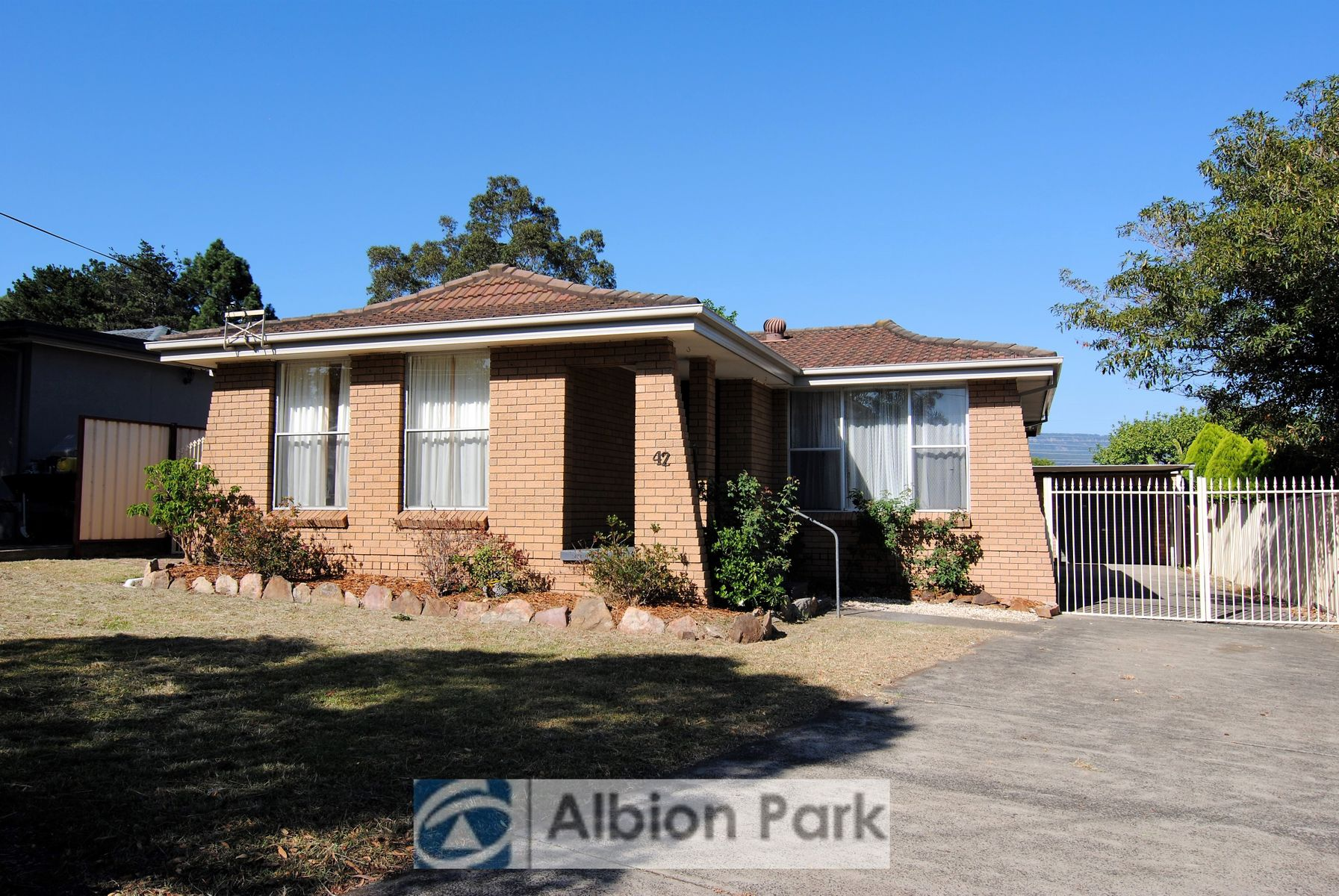 42 Polock Crescent, Albion Park, NSW 2527