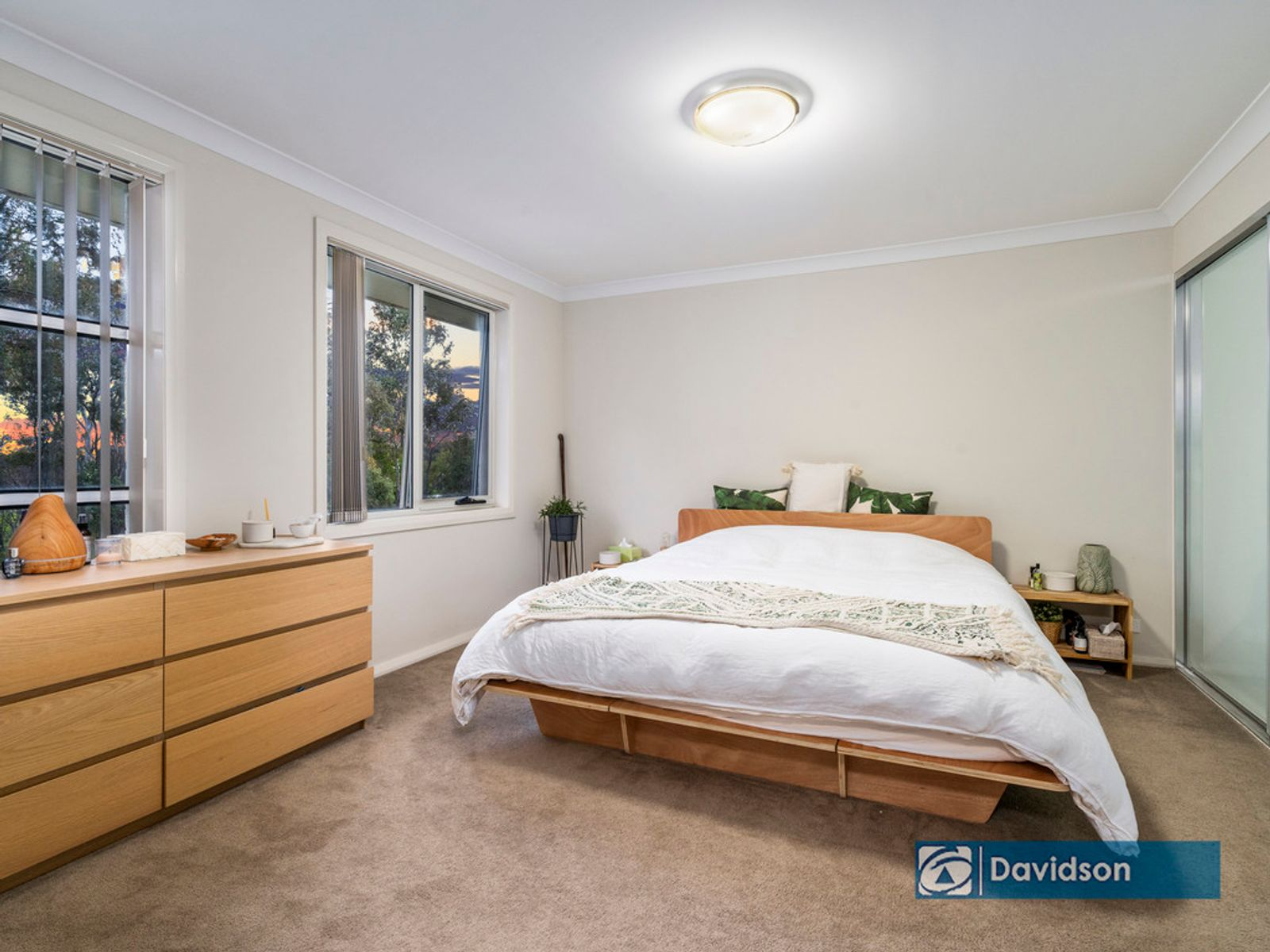 11 Three Bees Drive, Glenfield, NSW 2167