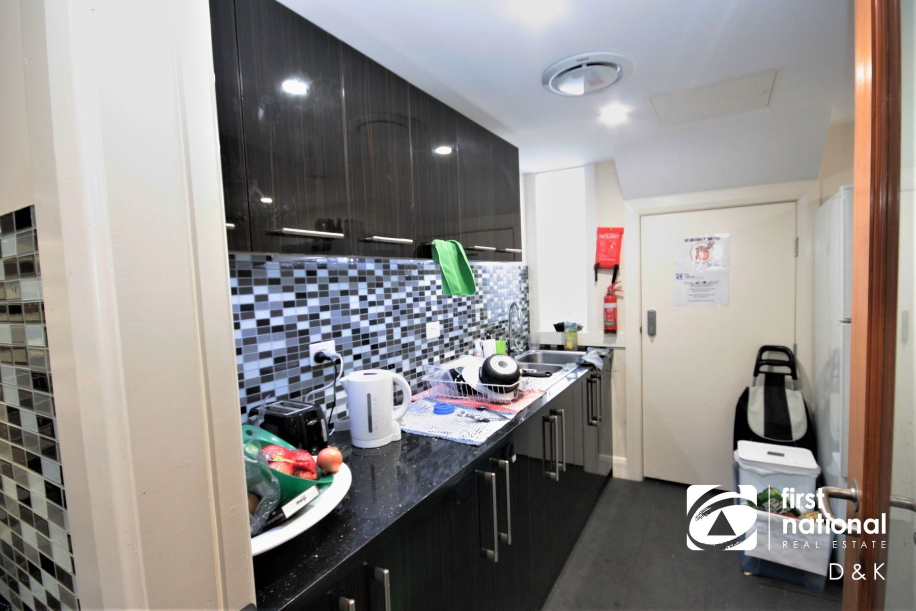 Room 3/19 Commercial Road, Footscray, VIC 3011