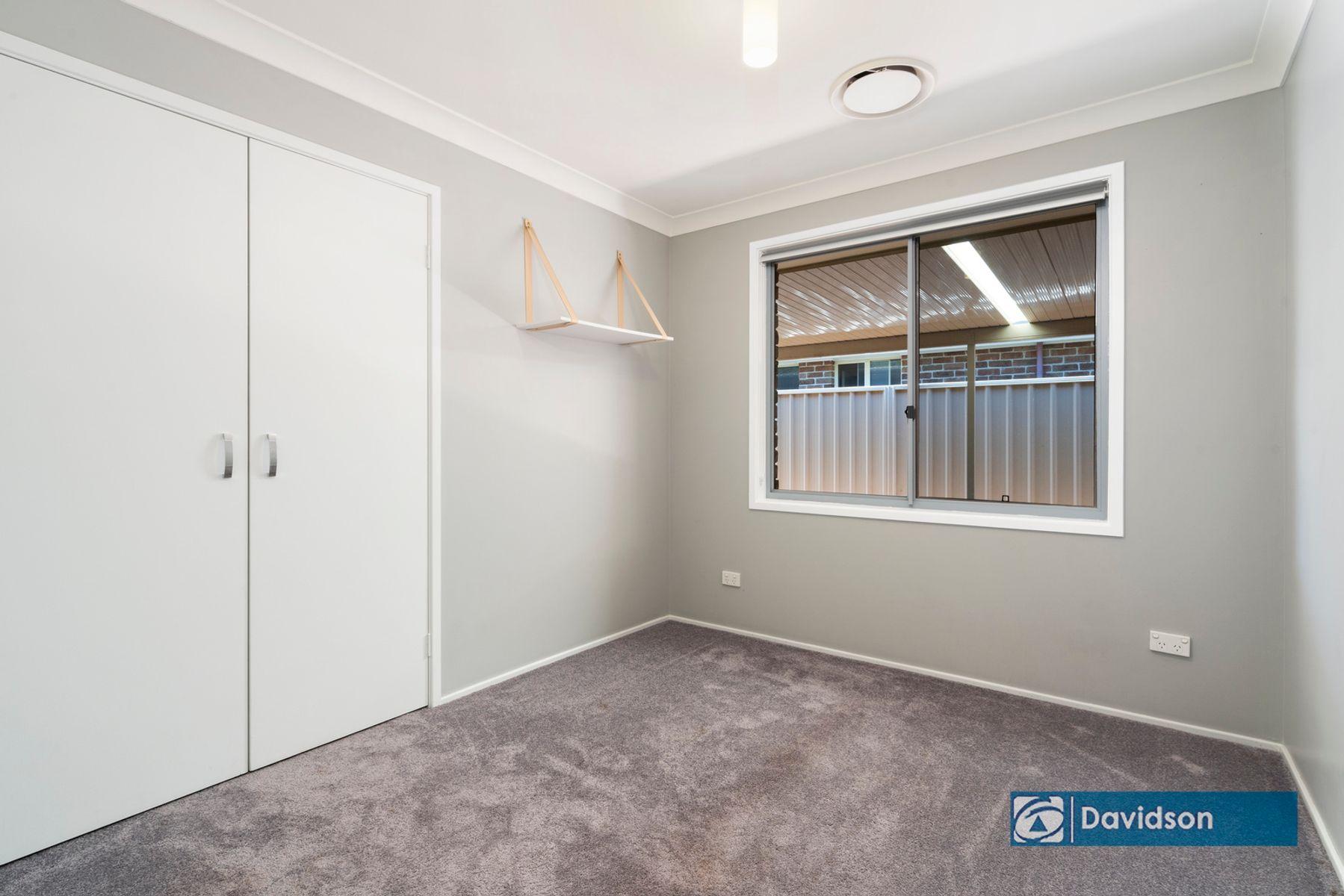 17 Hyde Park Ct, Wattle Grove, NSW 2173