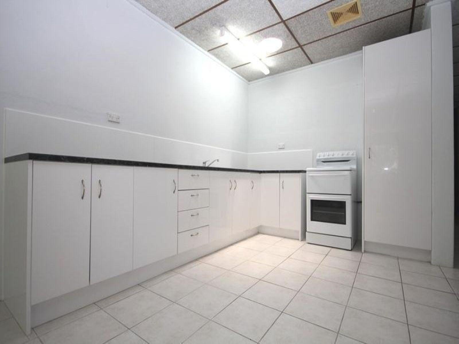 2/5 Kirrang Court, Cranbrook, QLD 4814