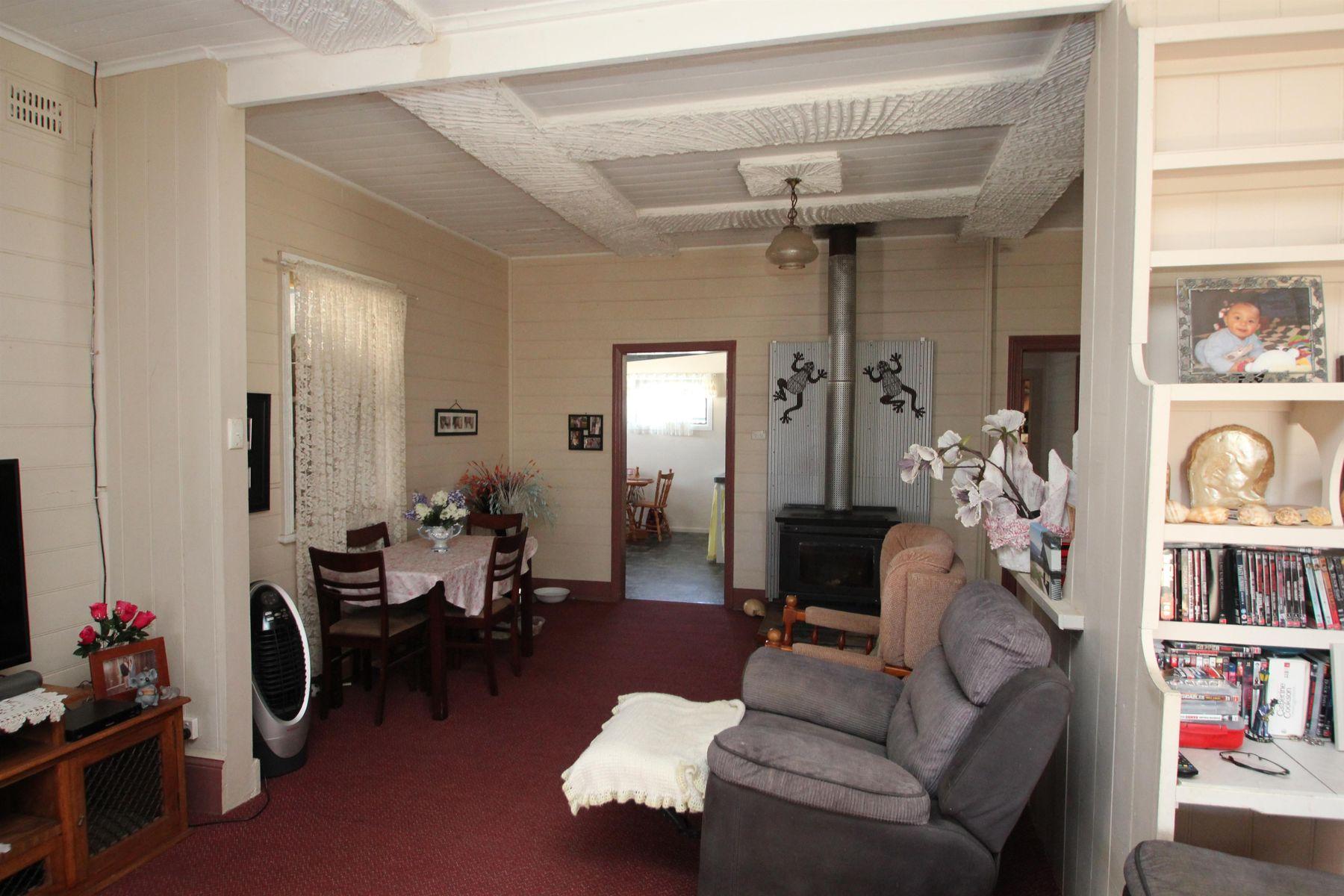 17 Margaret Street, Tenterfield, NSW 2372