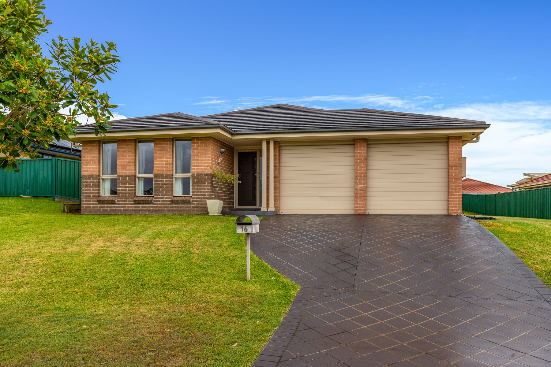 16 Mileham Circuit, Rutherford, NSW 2320