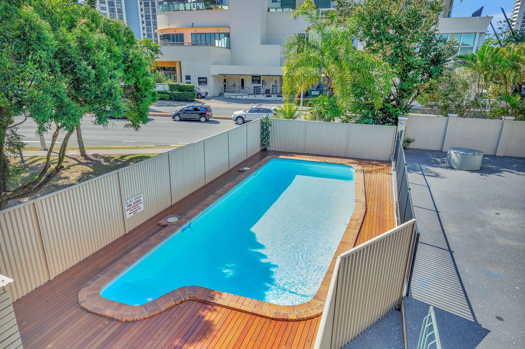 10/34 Remembrance Drive, Surfers Paradise, QLD 4217