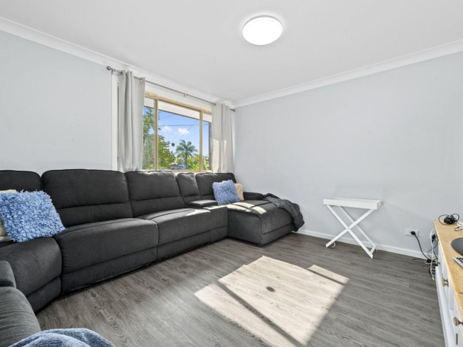 49 Pinehurst Way, Blue Haven, NSW 2262