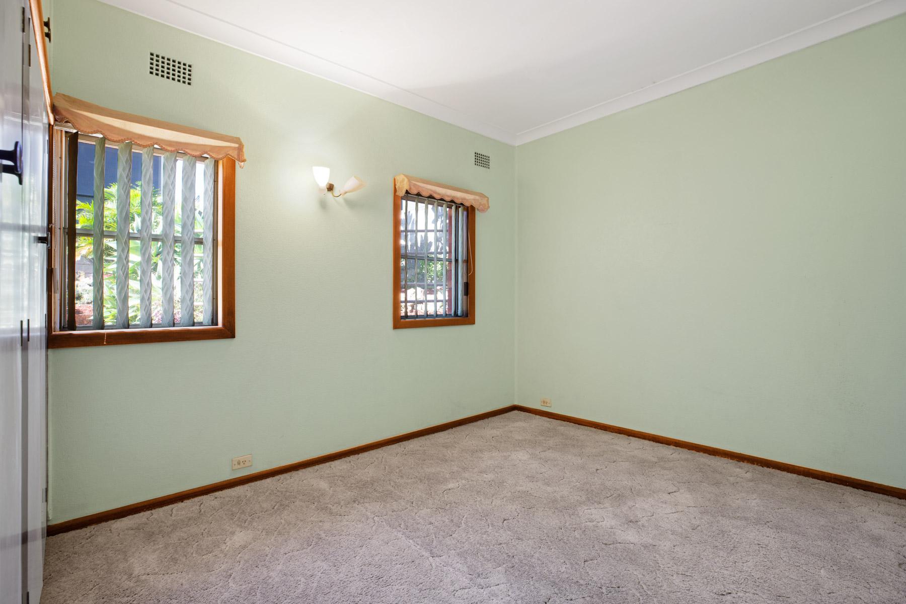 Bedroom 2 of 13 Walter St Belmont