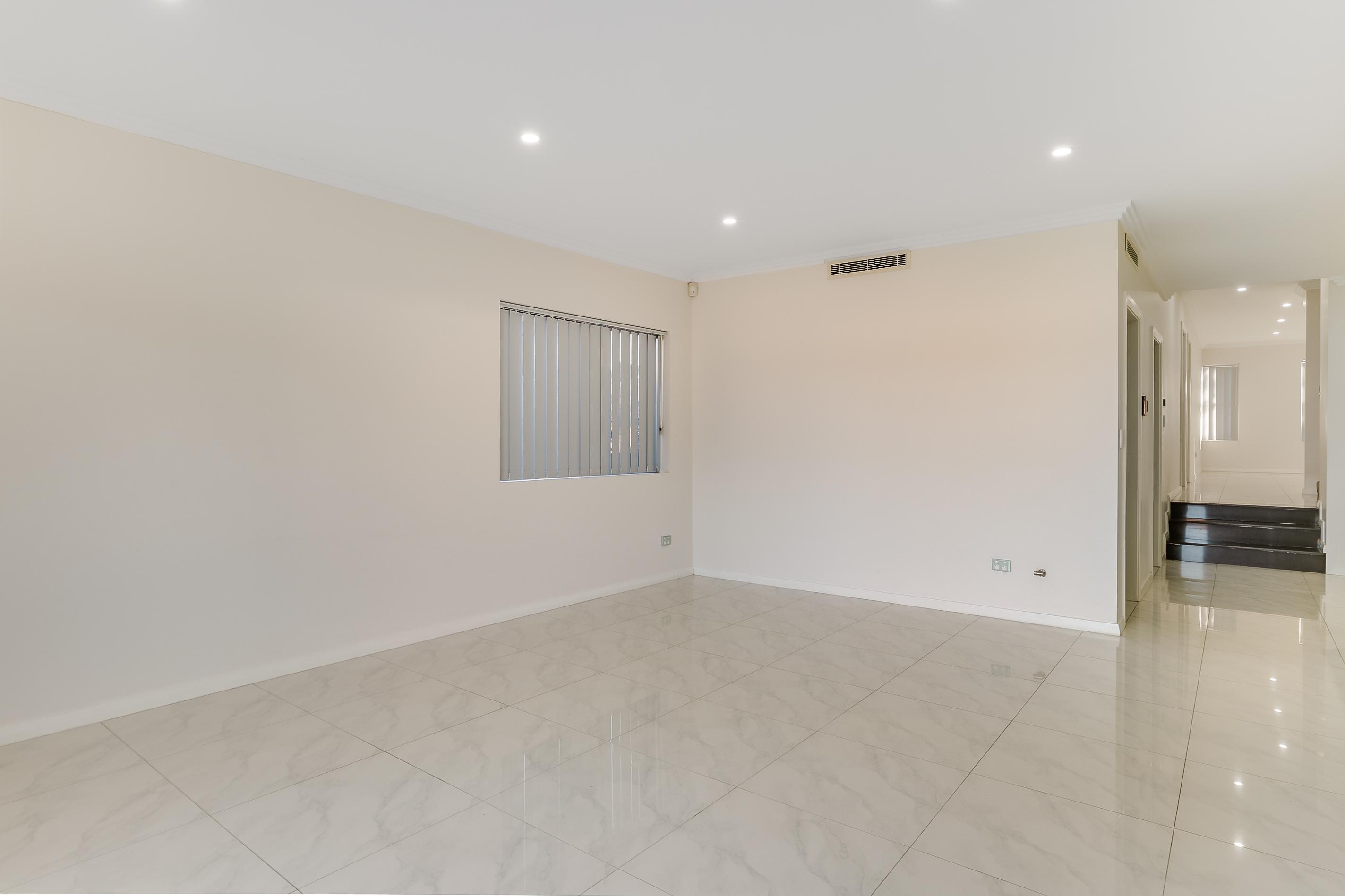 54 scott linging room