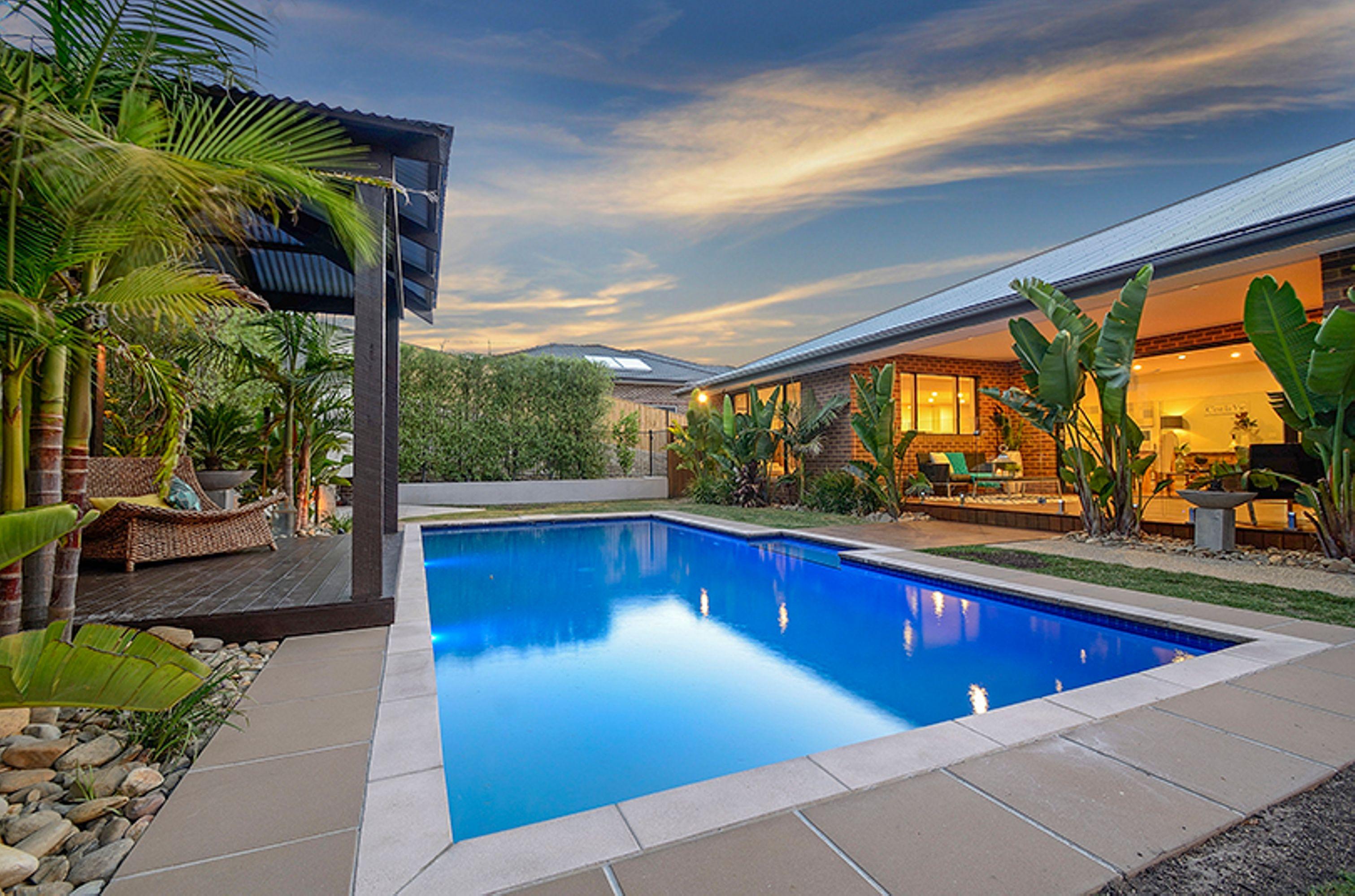 16 florence pool