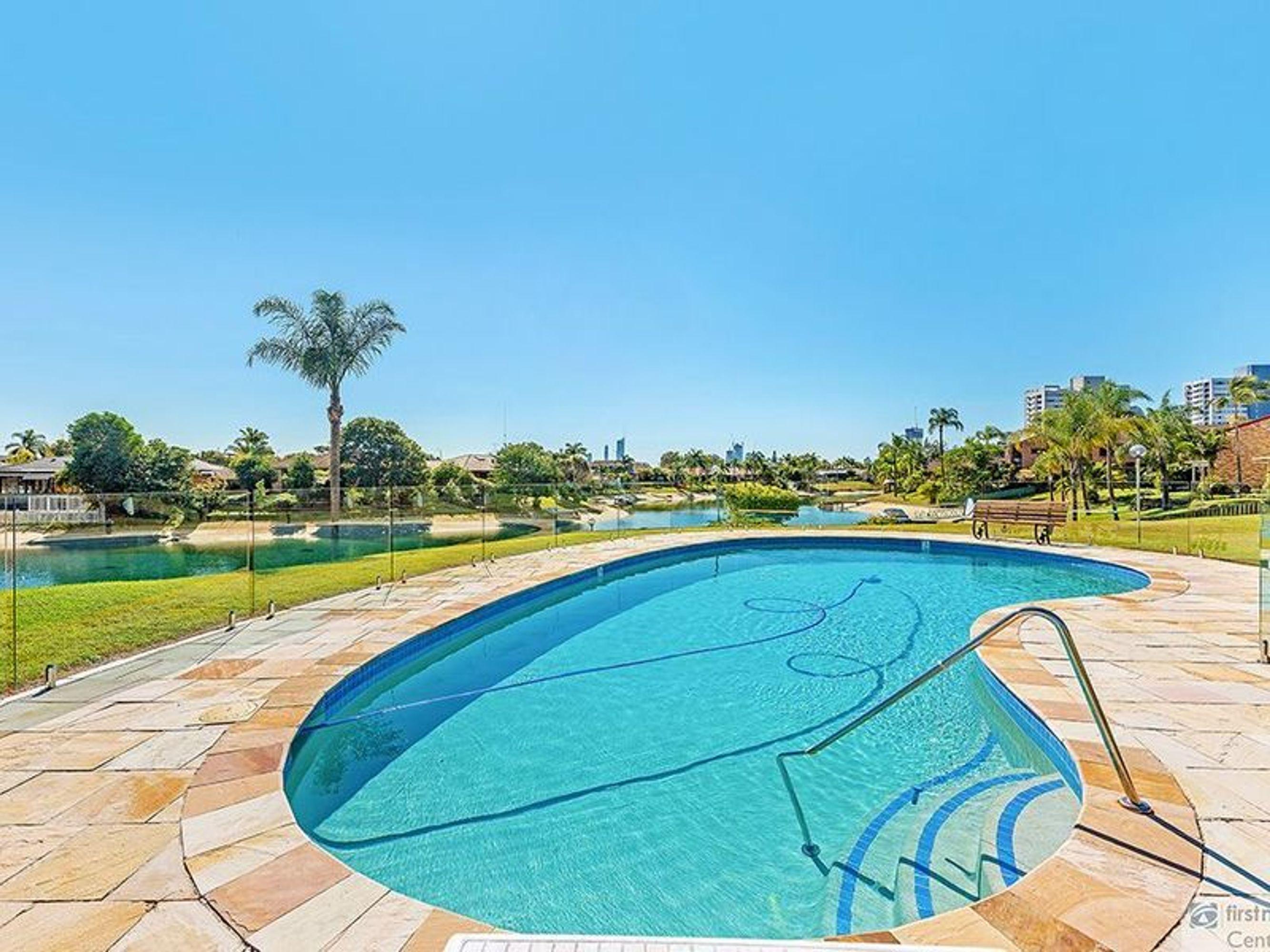 7/14 Dunlop Court, Mermaid Waters, QLD 4218