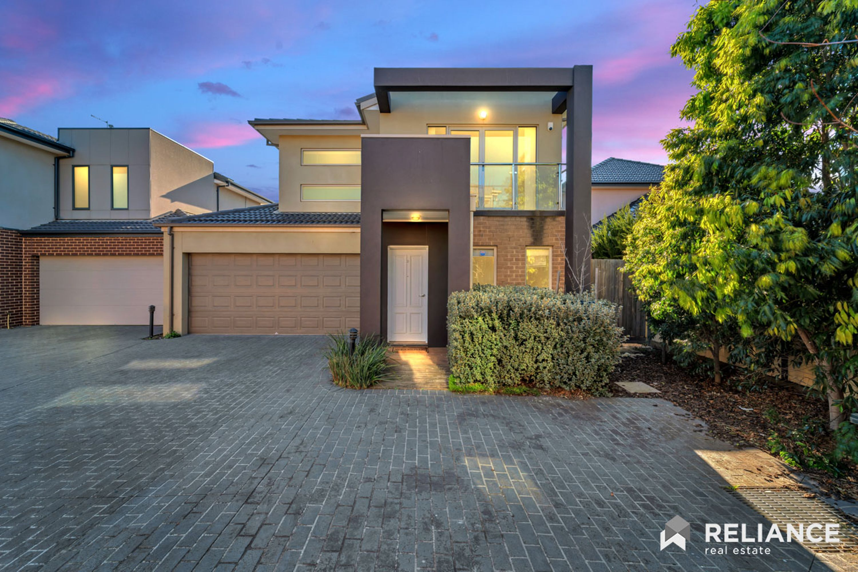 Rare find! ; 2/4 Findon Court, Point Cook